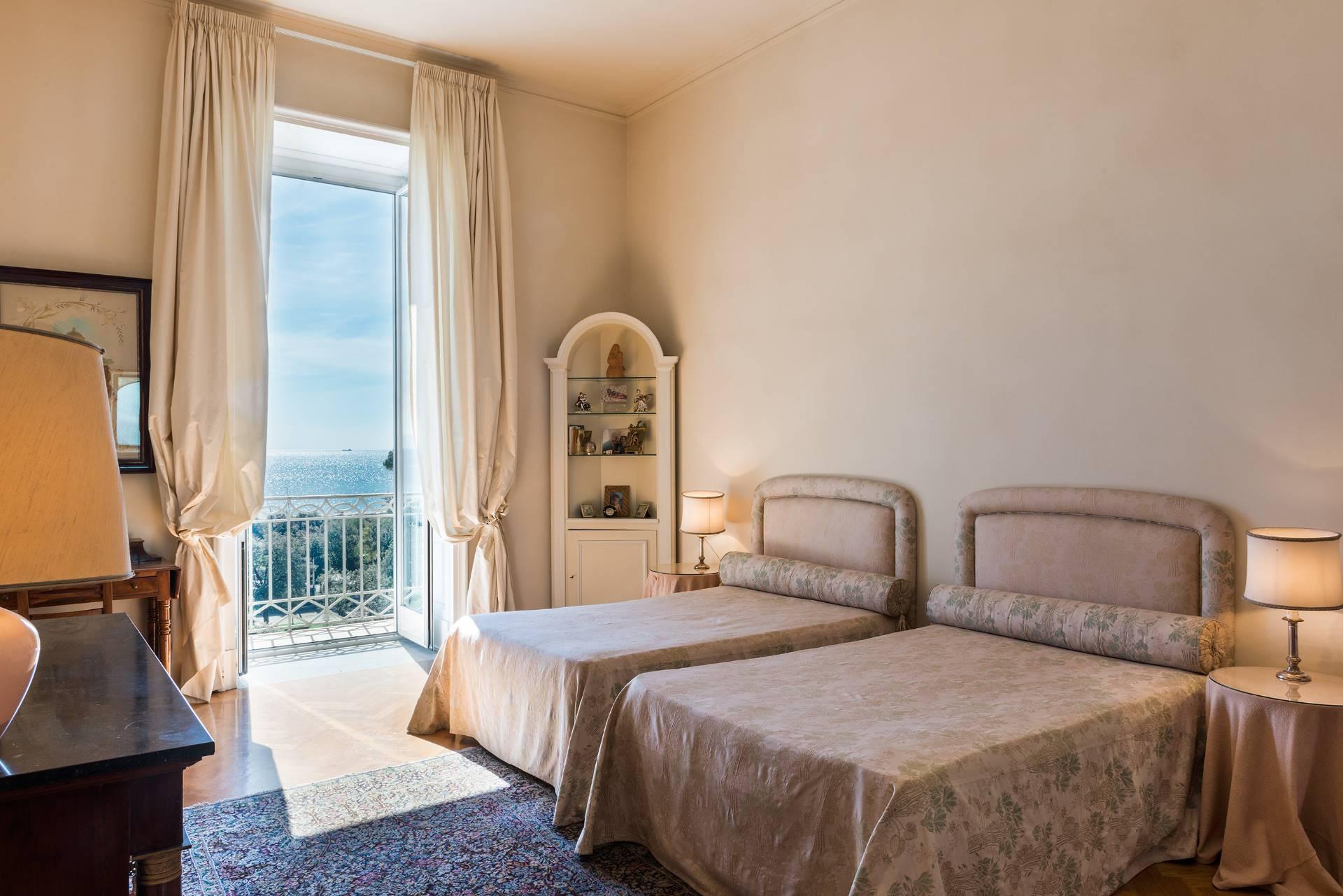 Stylish apartment with seaviews - 13