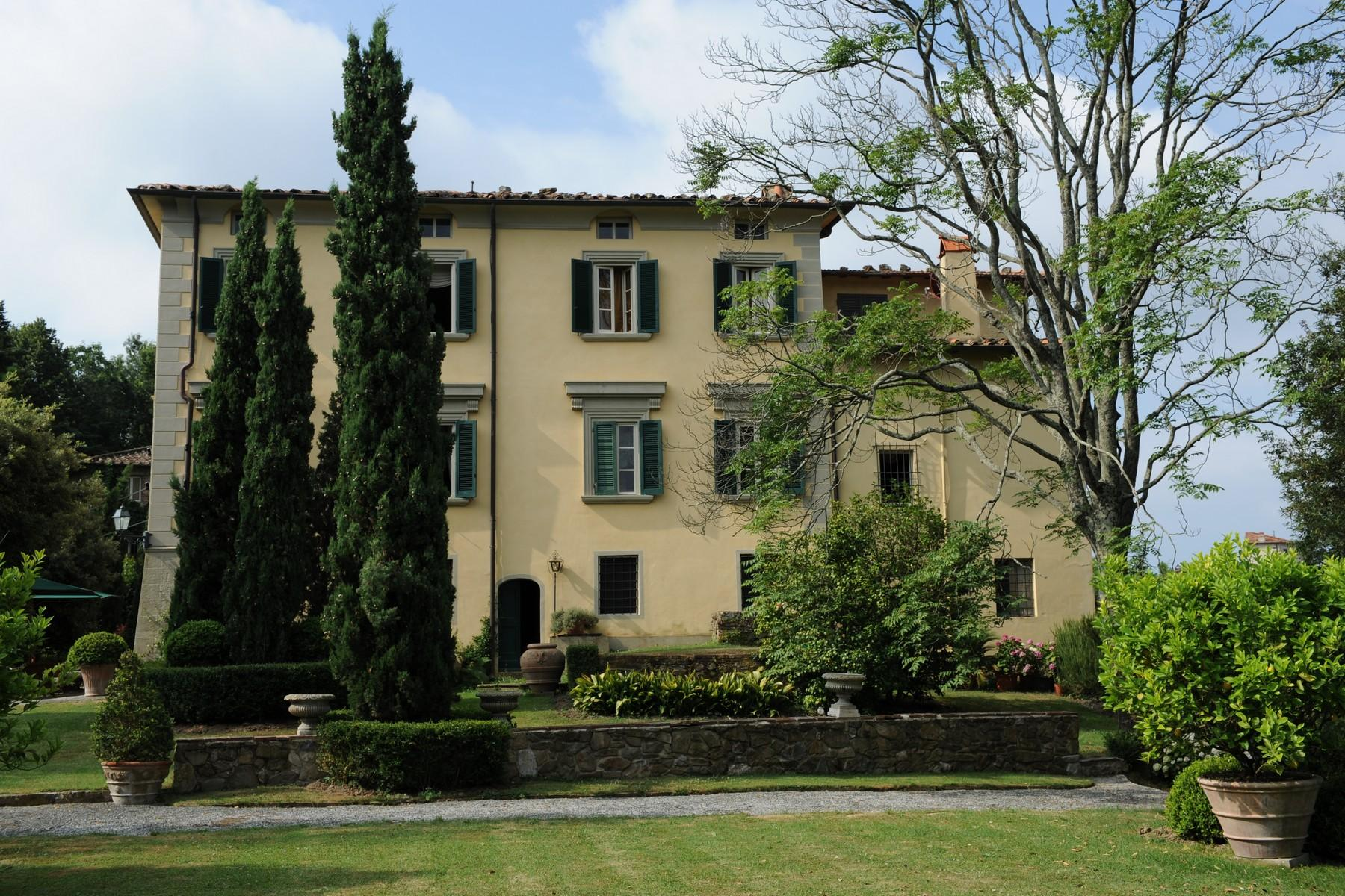 Beautiful and unique XVI century villa on the hills of Camaiore - 1