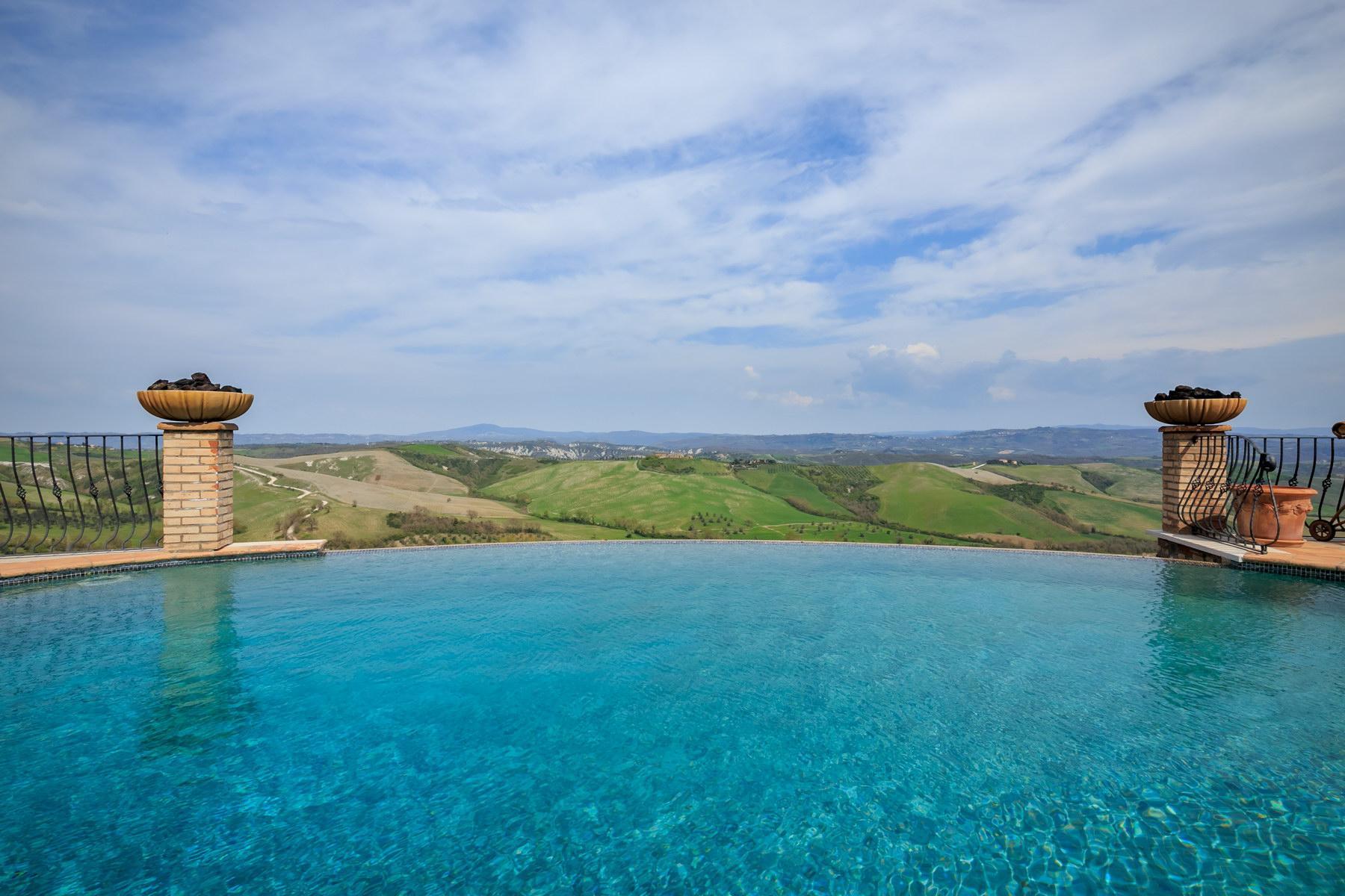 Восхитительная усадьба с бассейном и живописными видами холмов, Умбрия, Италия - 4