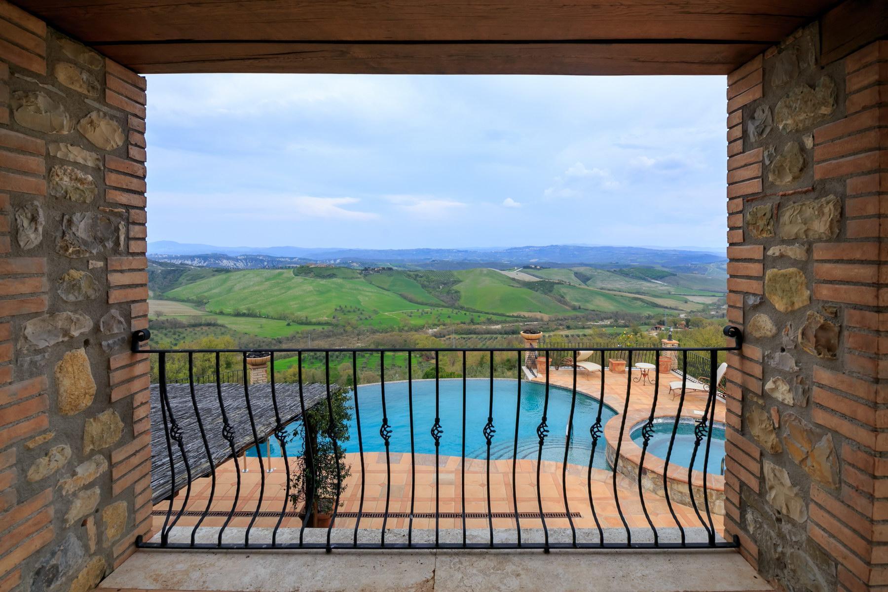 Восхитительная усадьба с бассейном и живописными видами холмов, Умбрия, Италия - 1