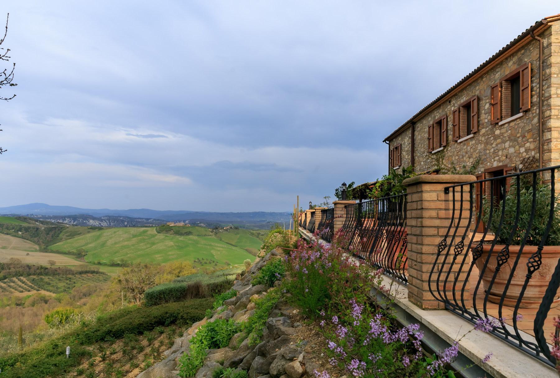 Wunderschönes Anwesen auf den Hügeln von Umbrien - 17