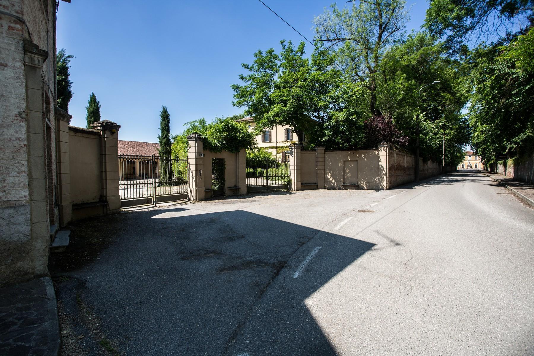 位于Cremona乡村内且拥有大公园的历史久远的别墅 - 4