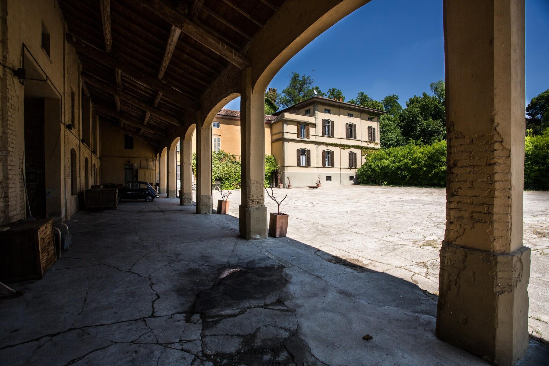 Historic villa with large park in the countryside of Cremona - 6