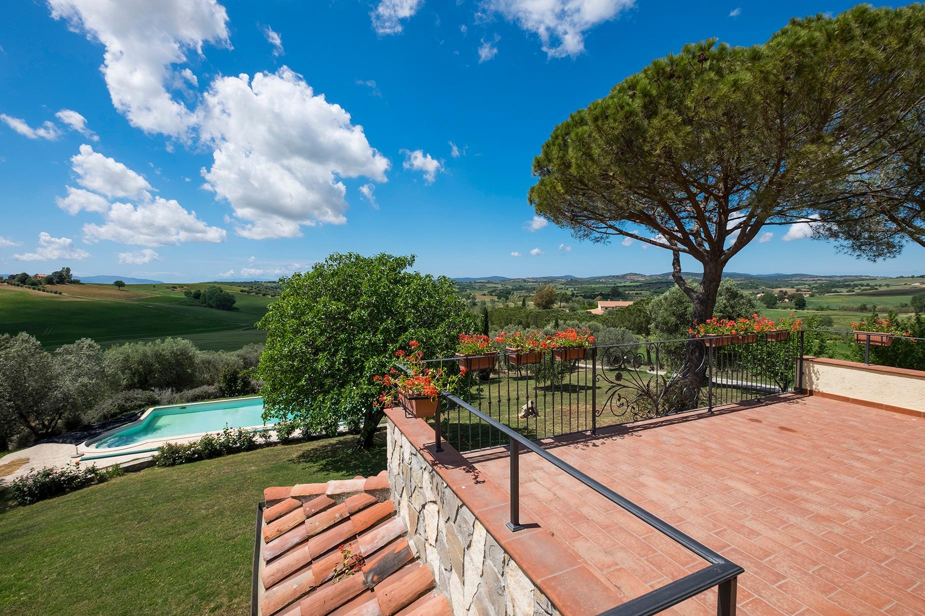 Красивый отремонтированный дом с бассейном на тосканских холмах в Гроссето, Италия - 6