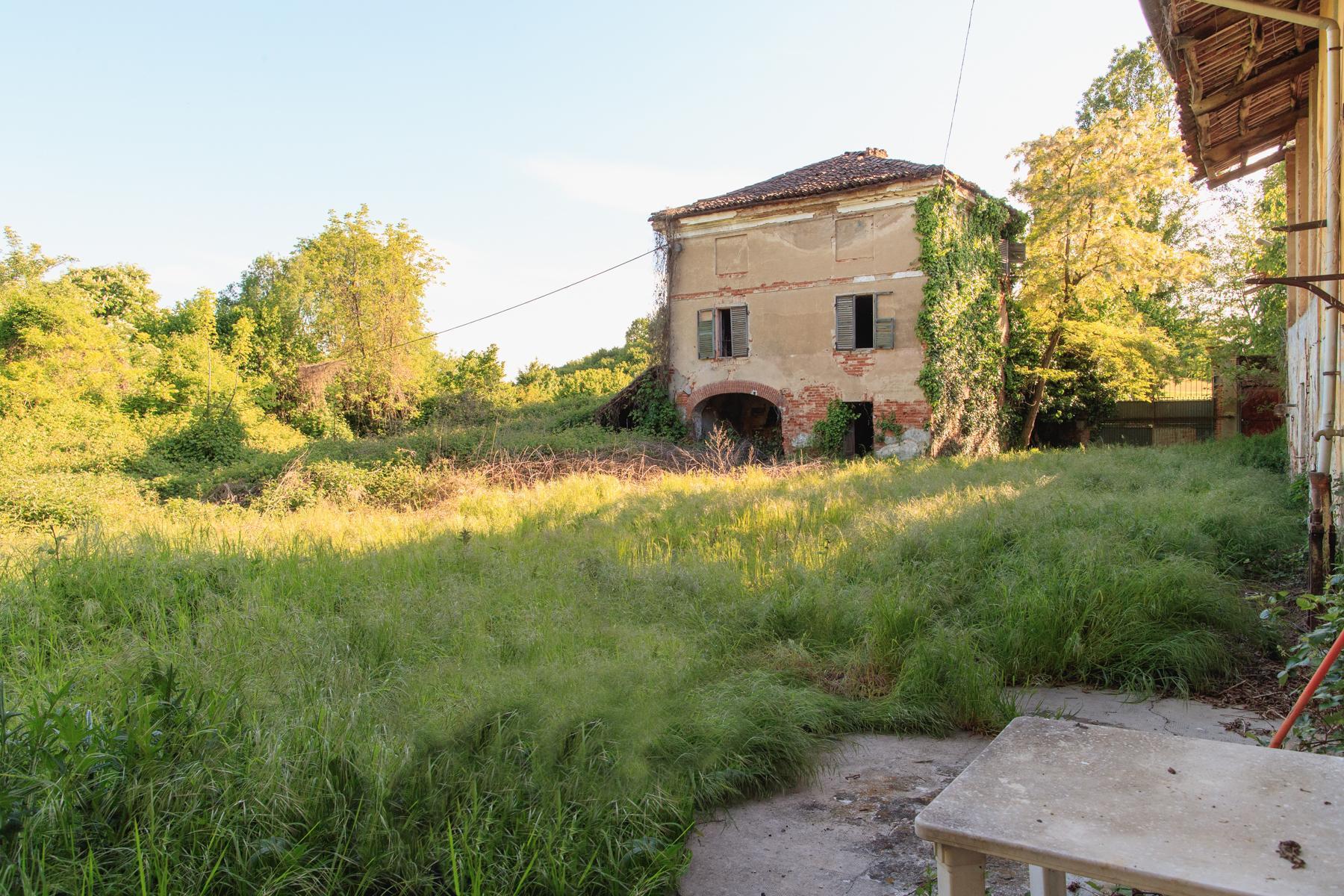 Antikes Bauernhaus auf dem Land Turins - 2