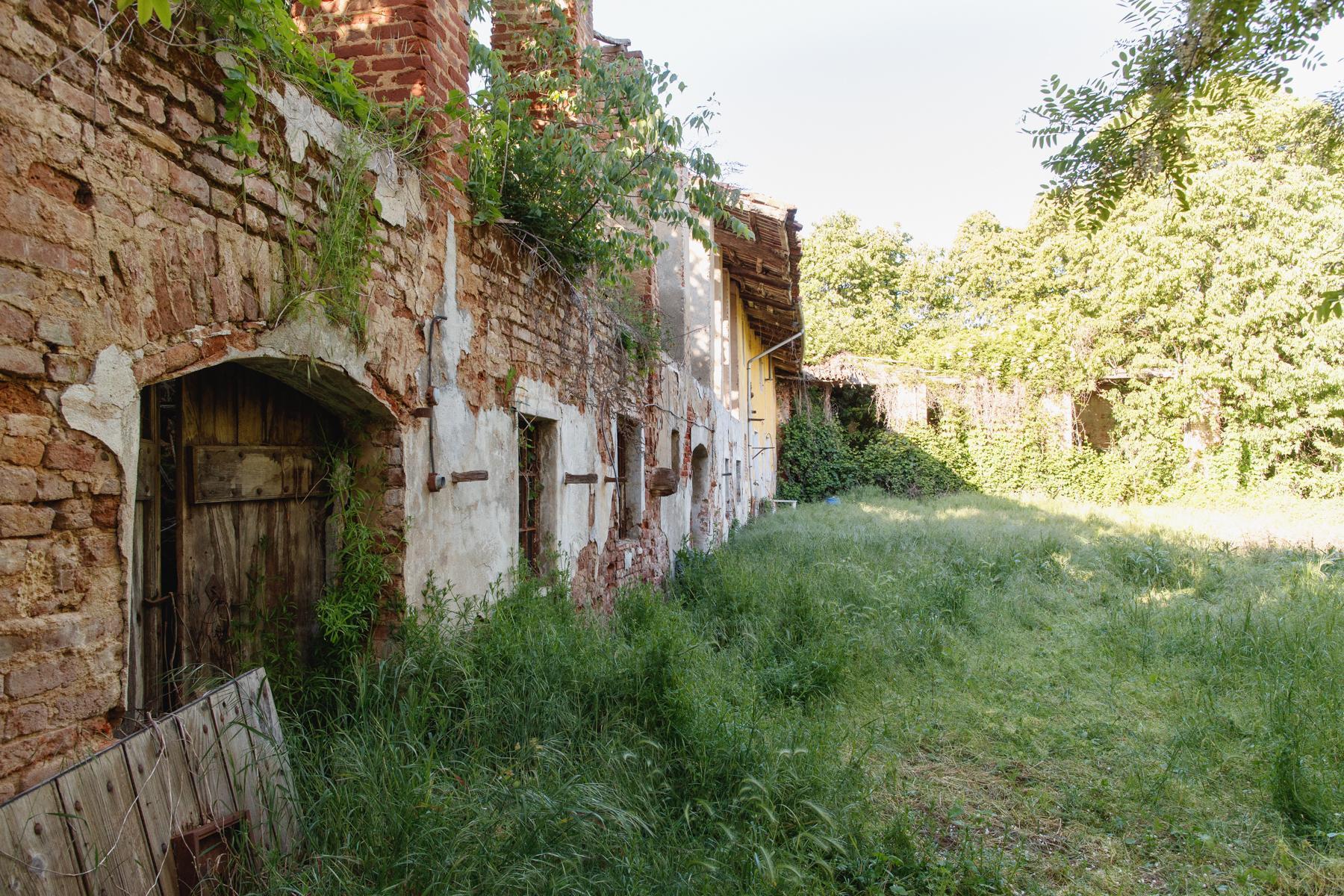 Antikes Bauernhaus auf dem Land Turins - 3