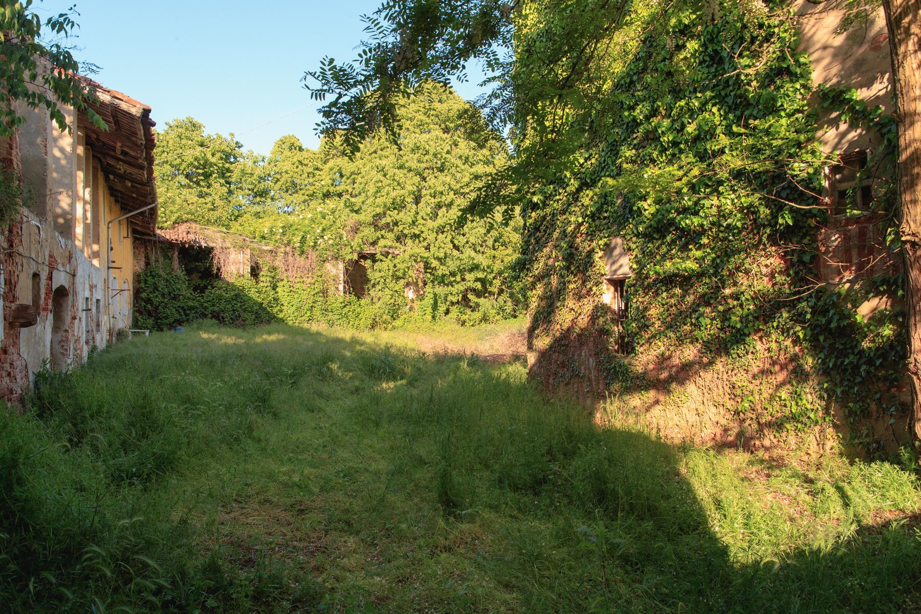 Antikes Bauernhaus auf dem Land Turins - 4
