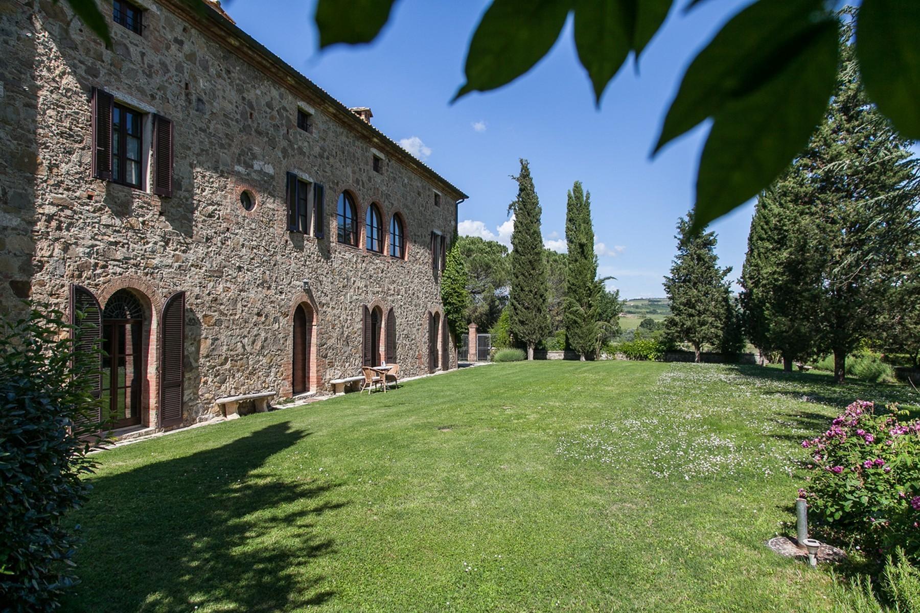 Прекрасное поместье XVI века на тосканских холмах. Италия - 3