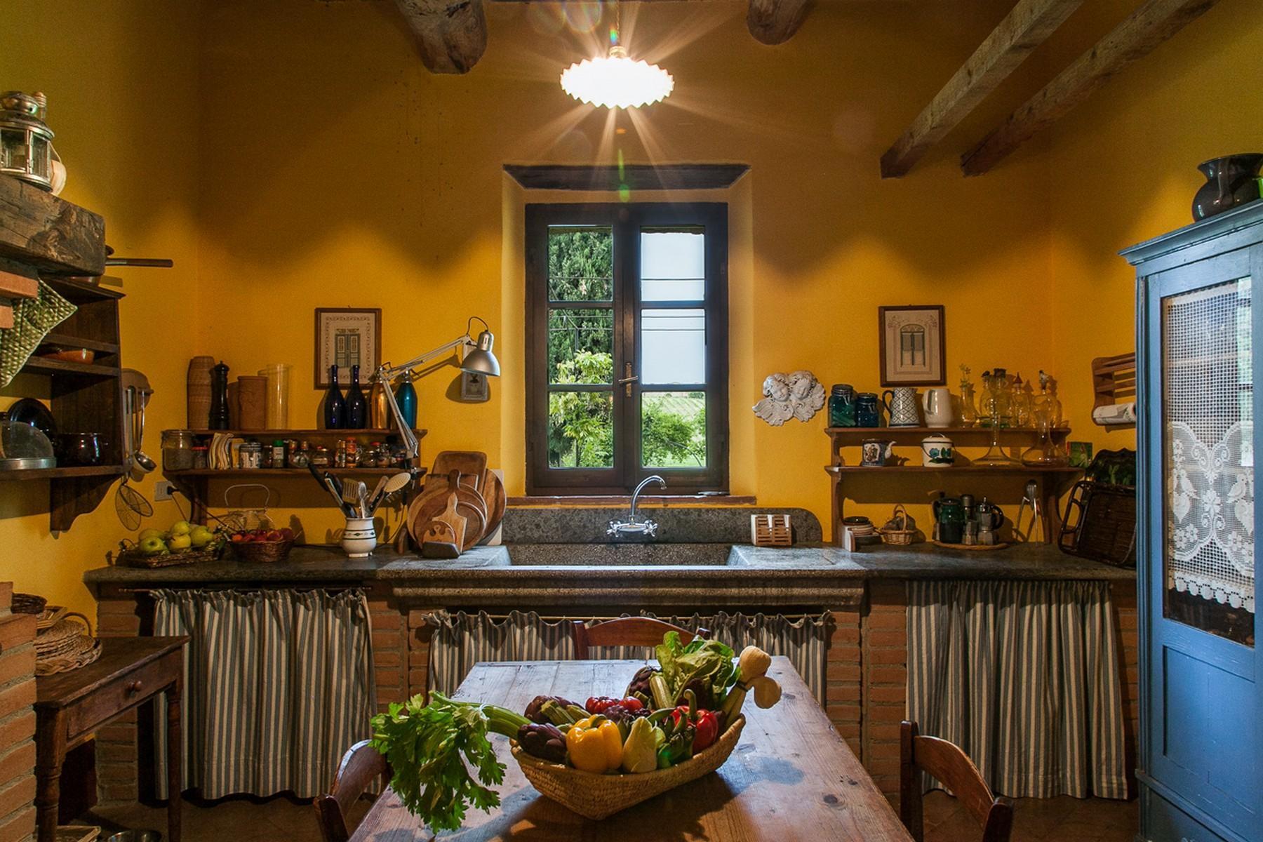 来自16世纪锡耶纳乡村优雅而古典的农舍 - 16