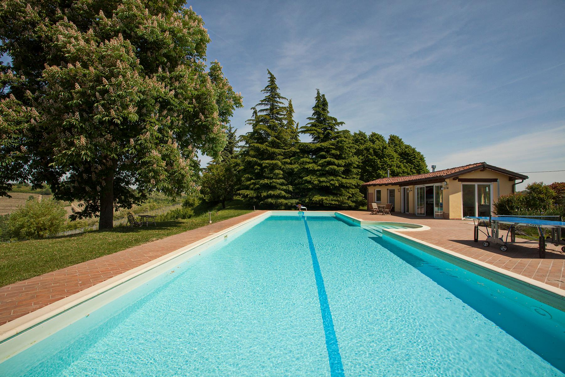 Elegant villa on top of a hill of Monferrato - 12