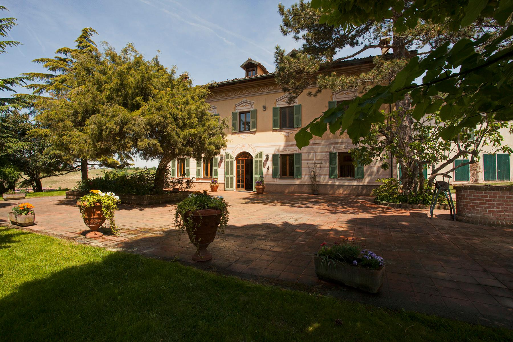 Elegant villa on top of a hill of Monferrato - 1