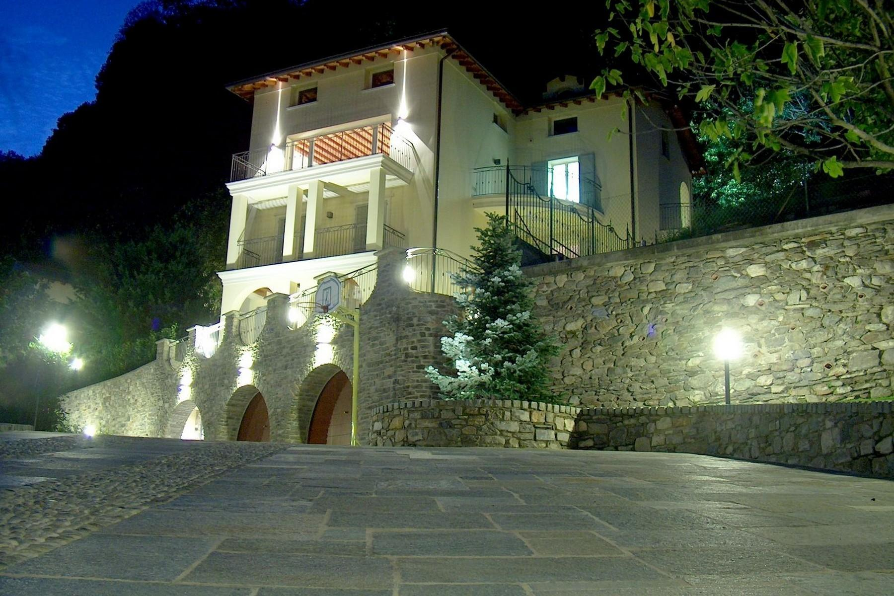Magnificent villa with charming view of Lake Como - 1