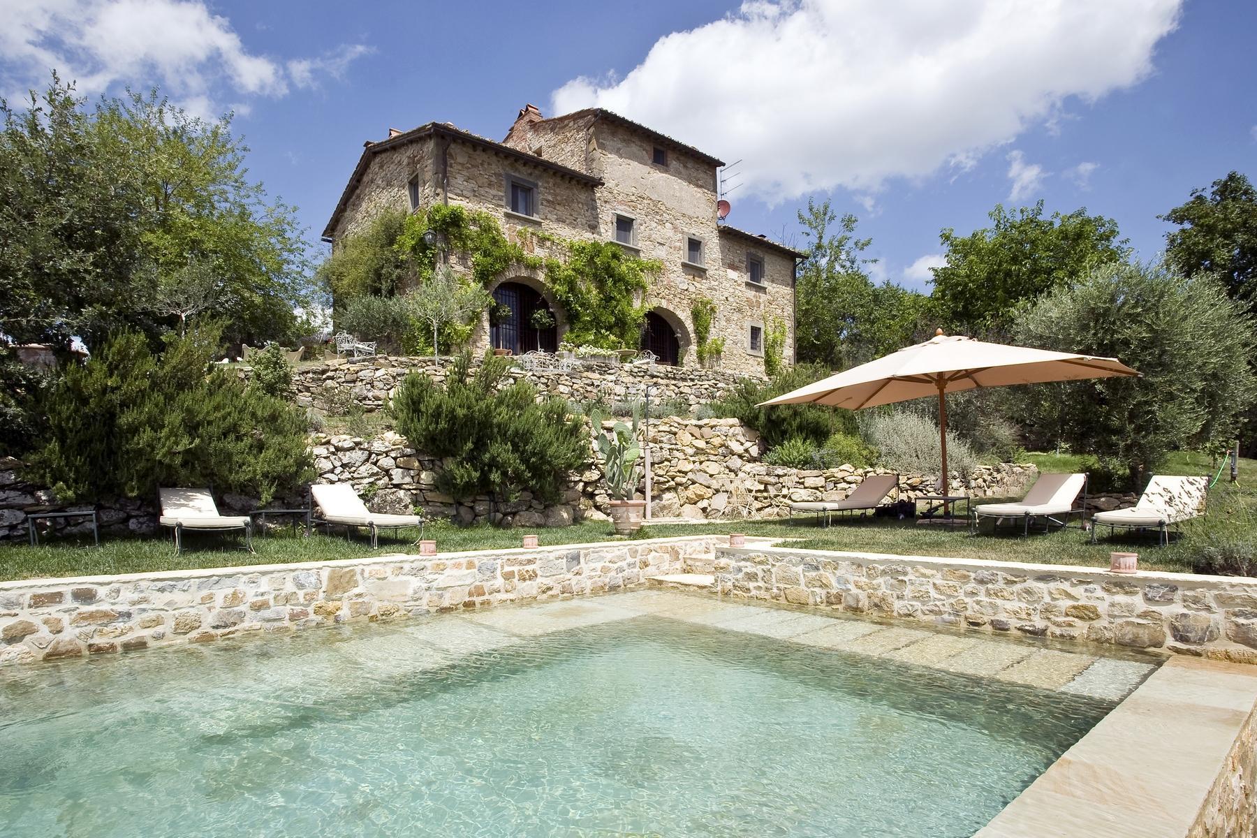 坐落于Chianti地区的绝美的农舍,且享有壮丽的景色和游泳池 - 2