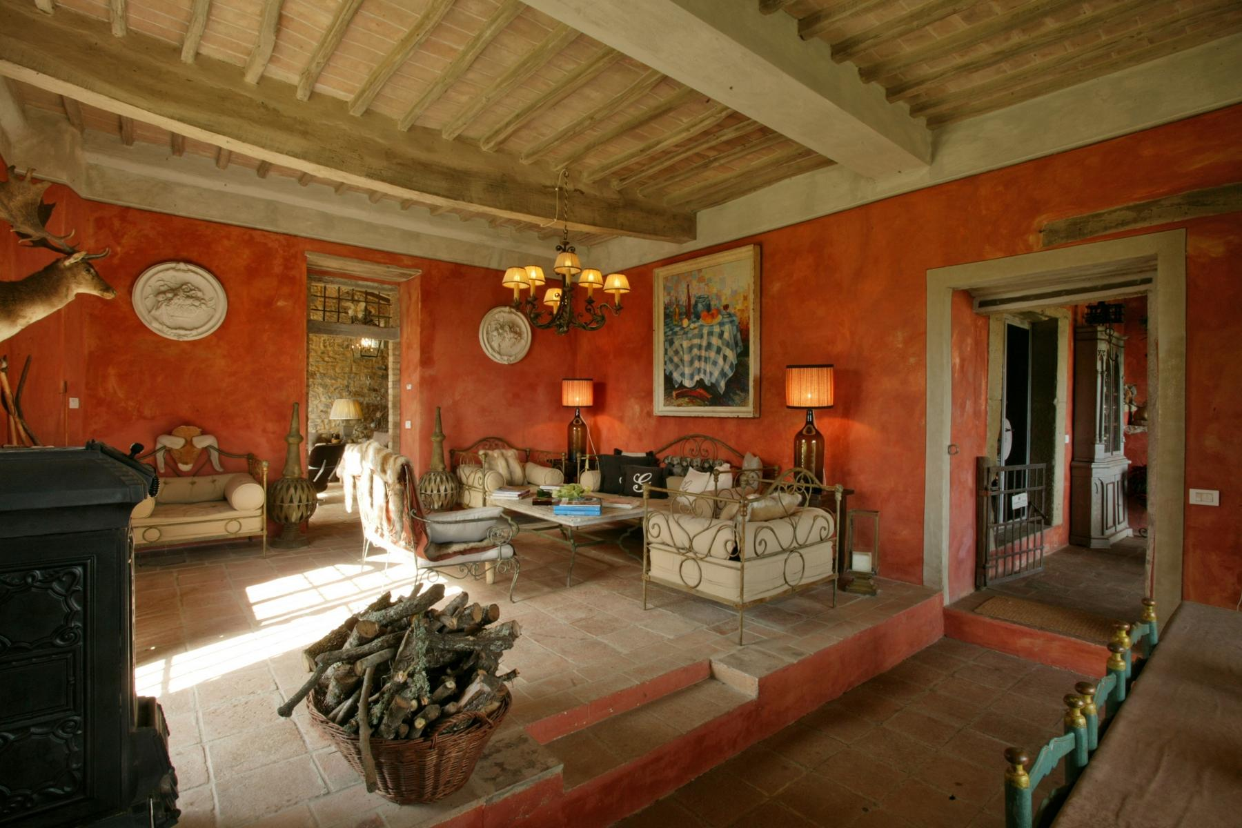 A charming chianti farmhouse with breathtaking views and pool - 9