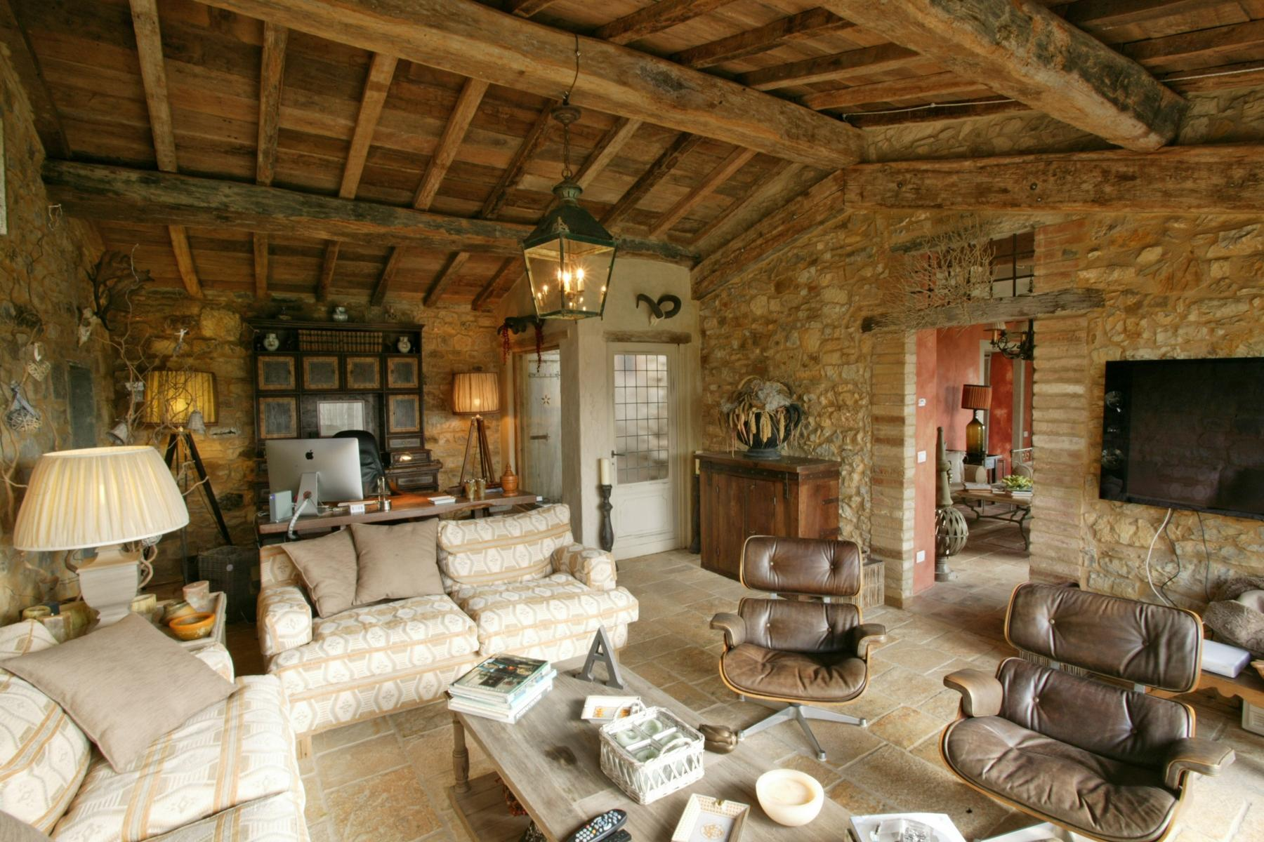A charming chianti farmhouse with breathtaking views and pool - 10