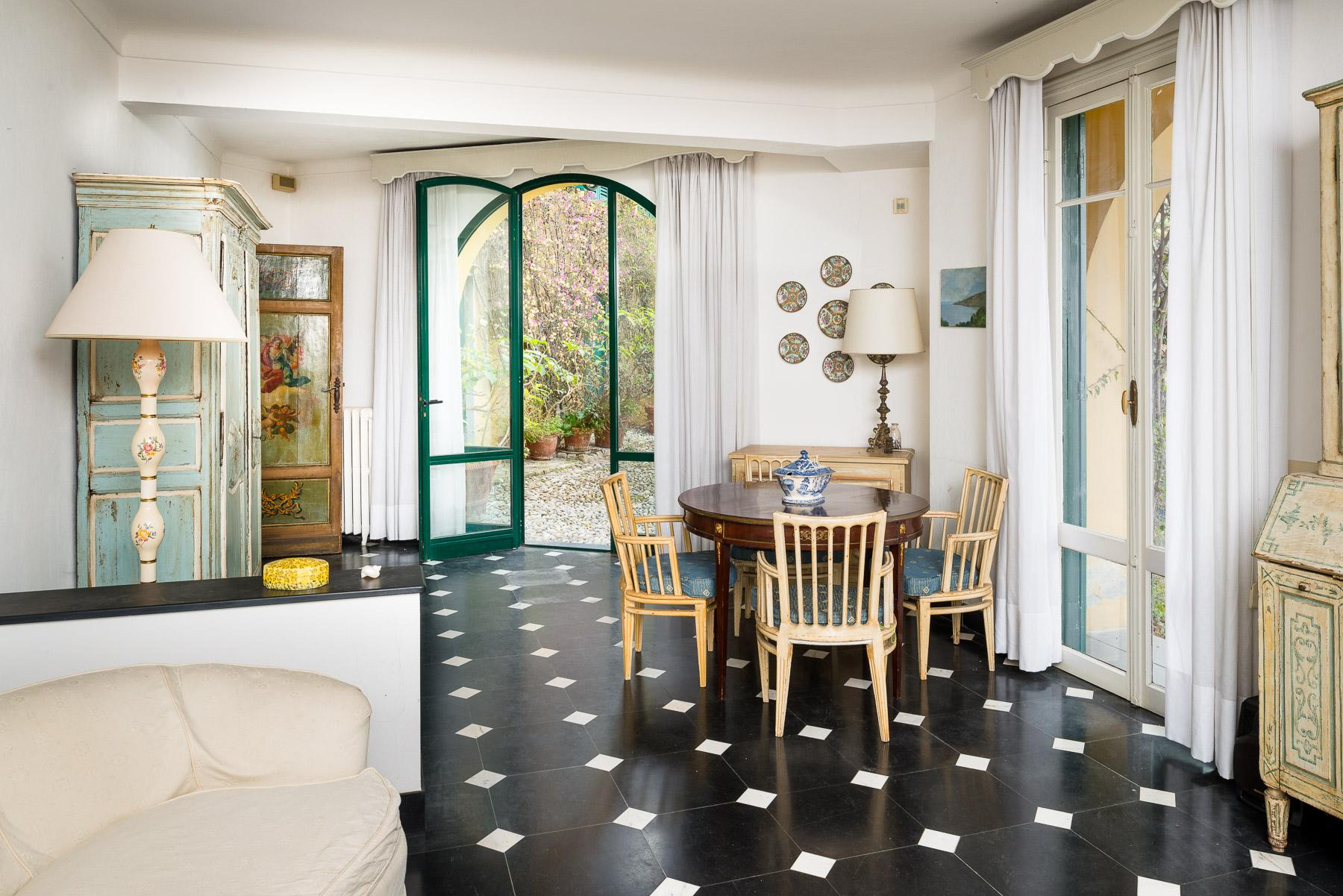 Charming apartment with private access to the sea in a historic Villa - 4