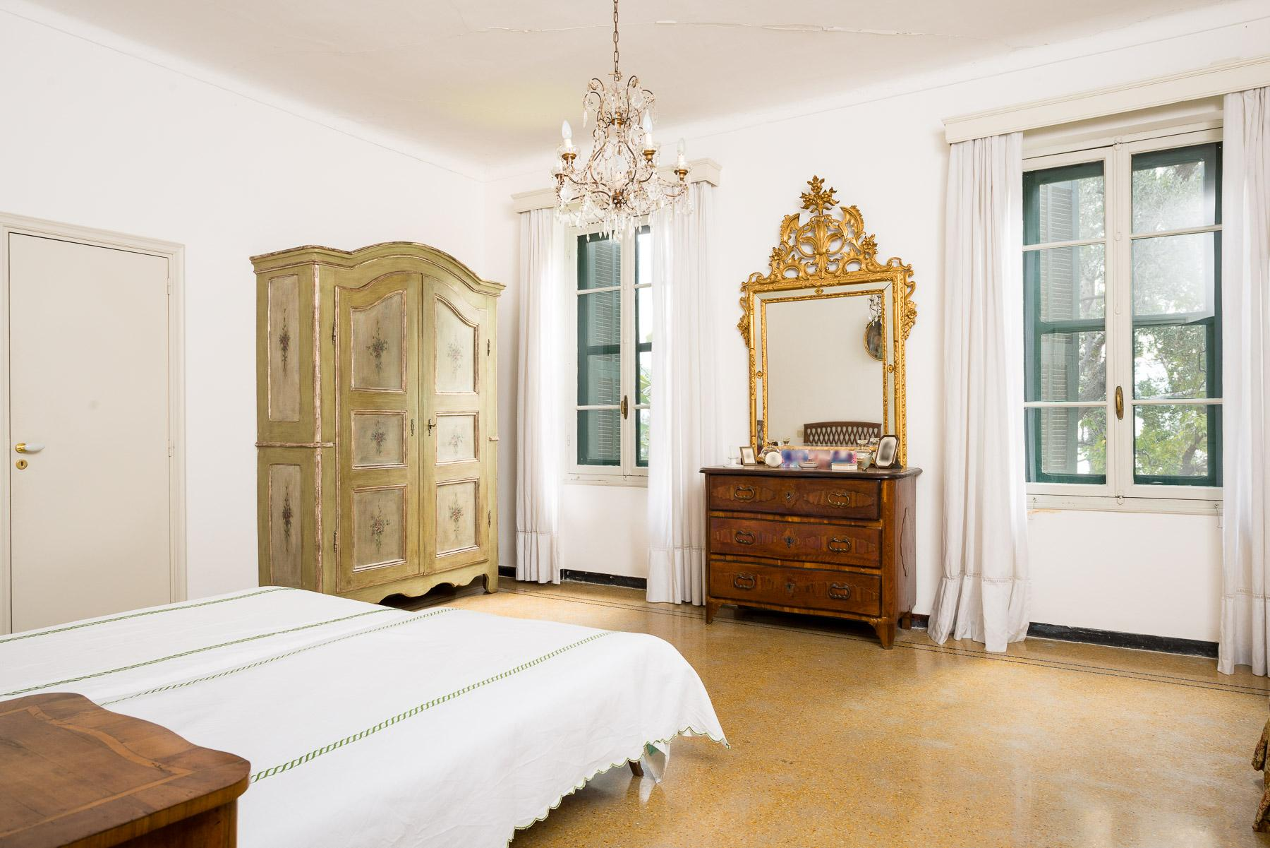 Charming apartment with private access to the sea in a historic Villa - 5