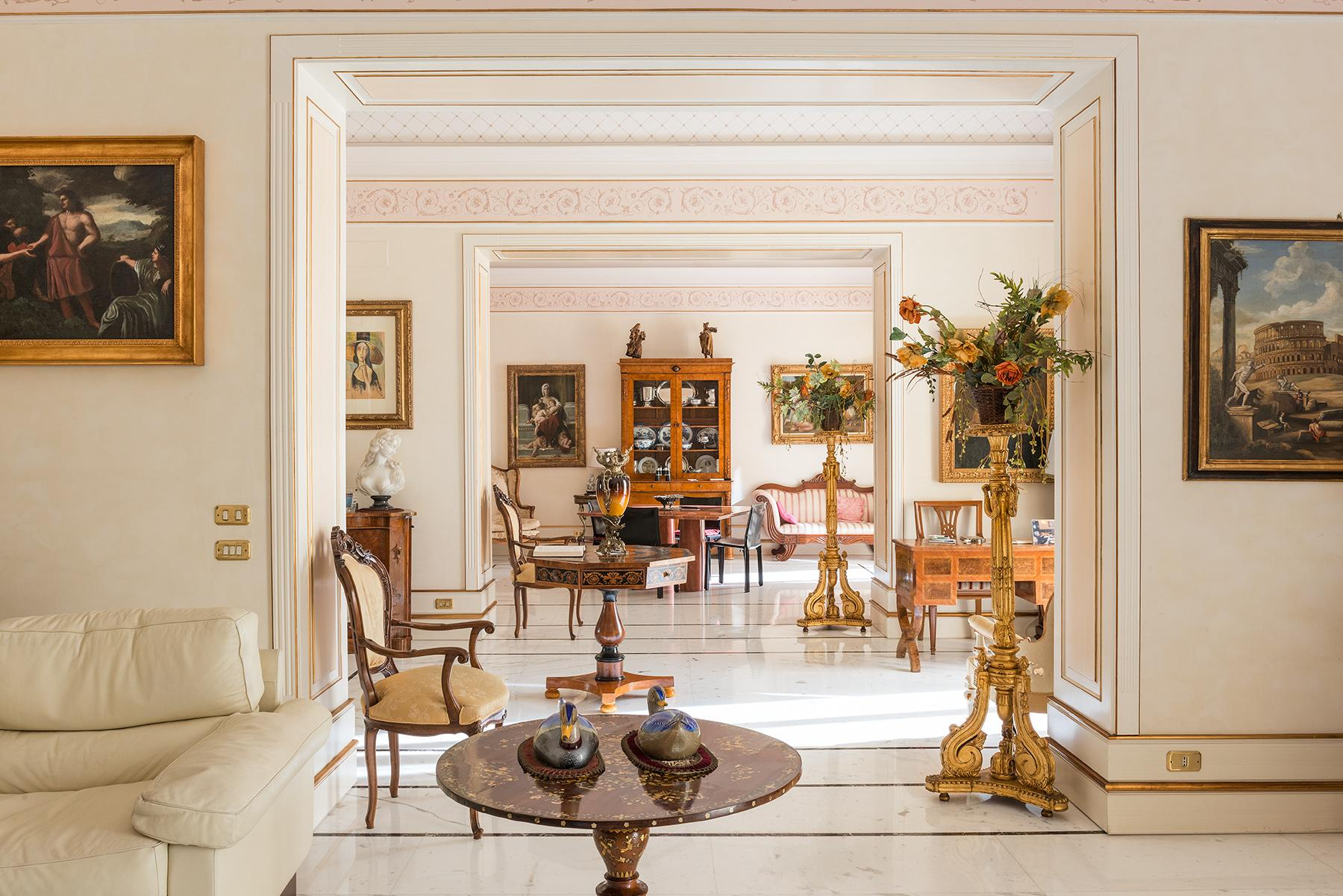 Magnificent Classical Style Apartment - 5