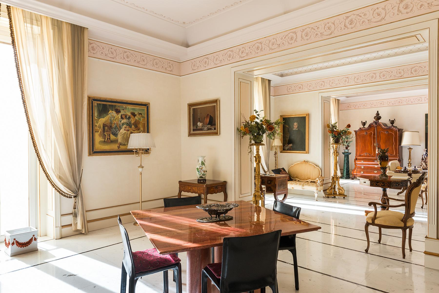 Magnificent Classical Style Apartment - 7