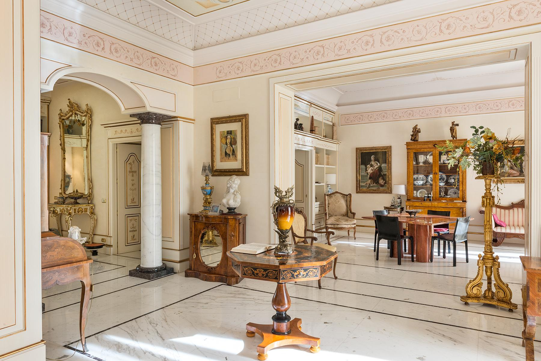 Magnificent Classical Style Apartment - 8
