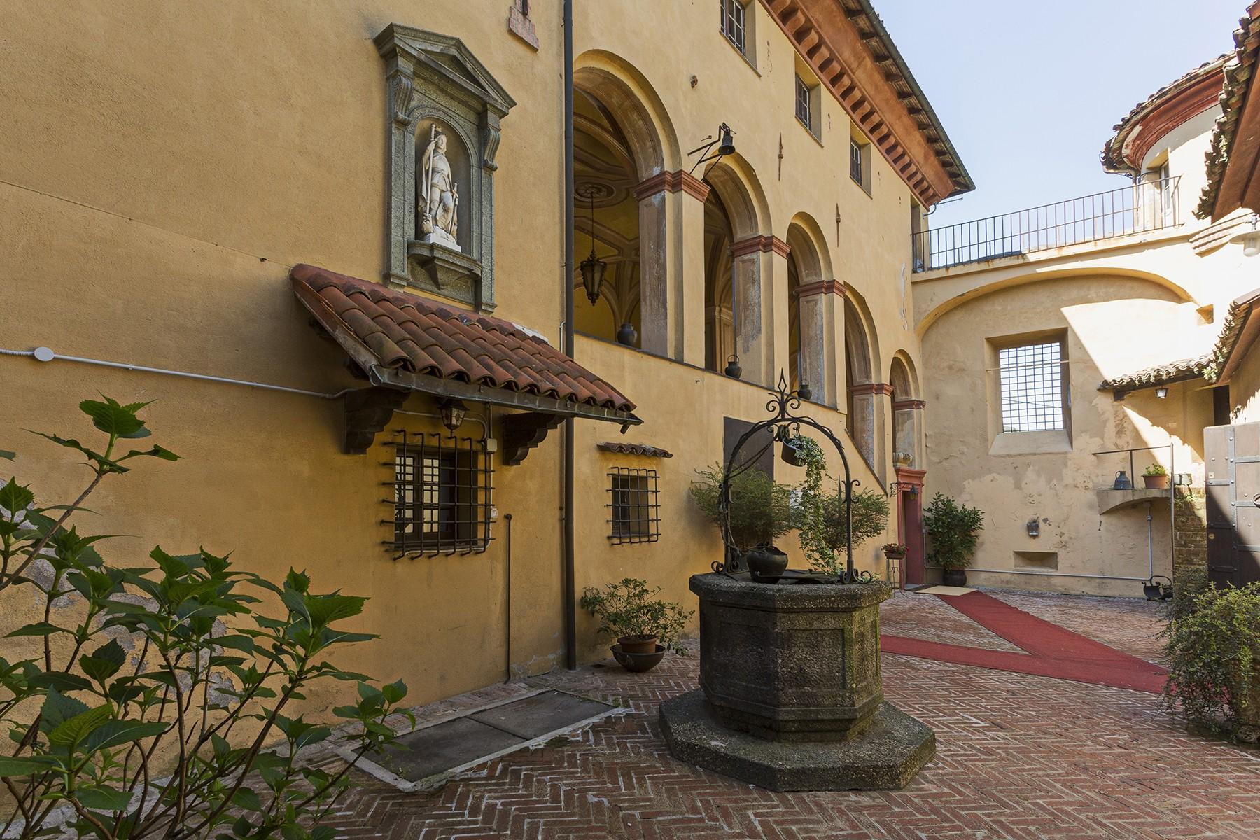 Élégant château médiéval avec église privée - 10