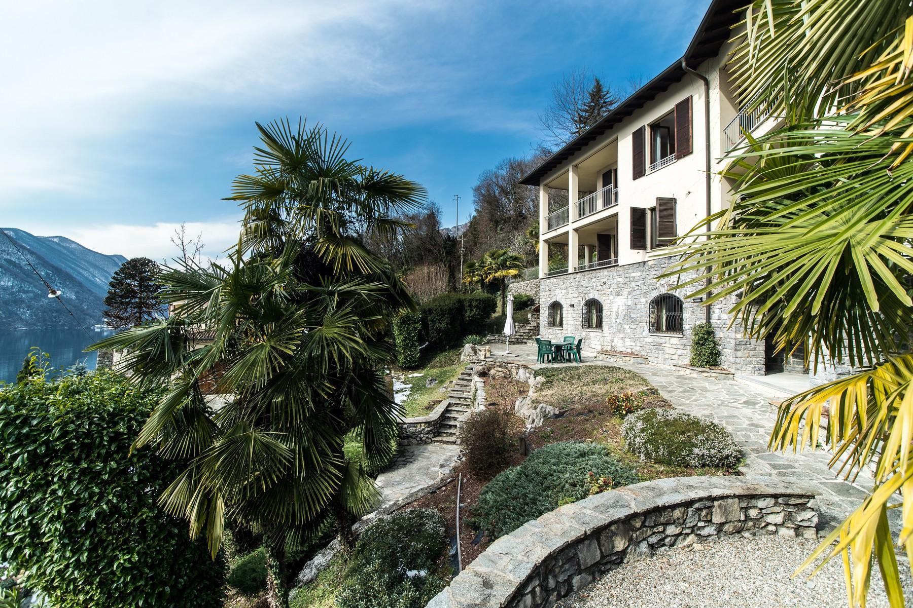 Prestigious villa on Lake Lugano - 1