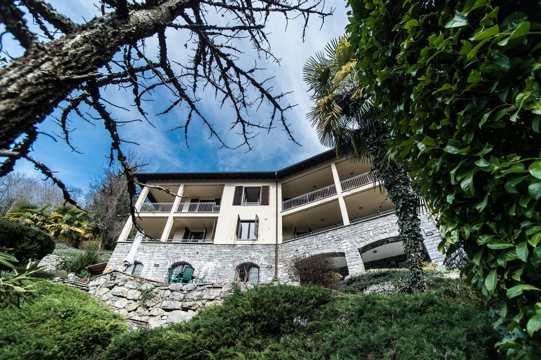 Prestigious villa on Lake Lugano - 2