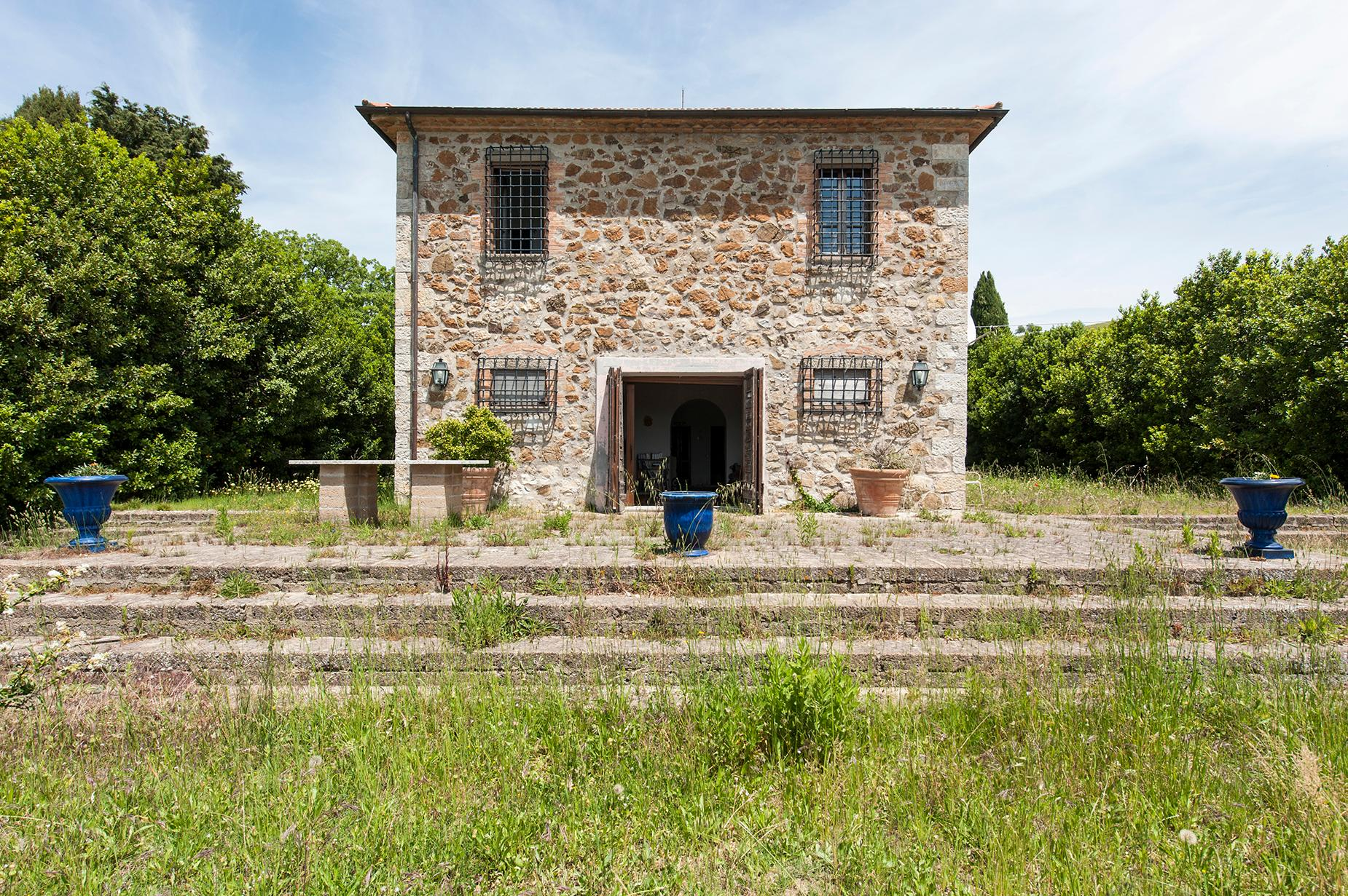 Ancient farmhouse with private land in Maremma - 3