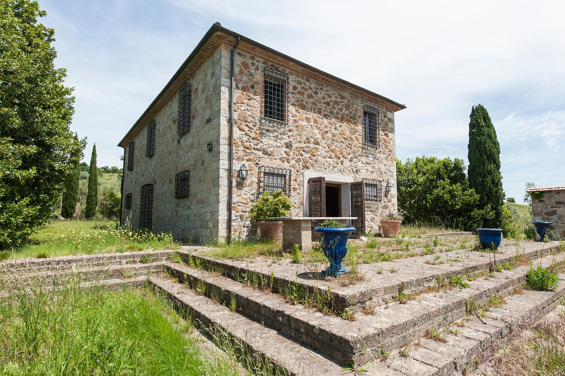 Ancient farmhouse with private land in Maremma - 2