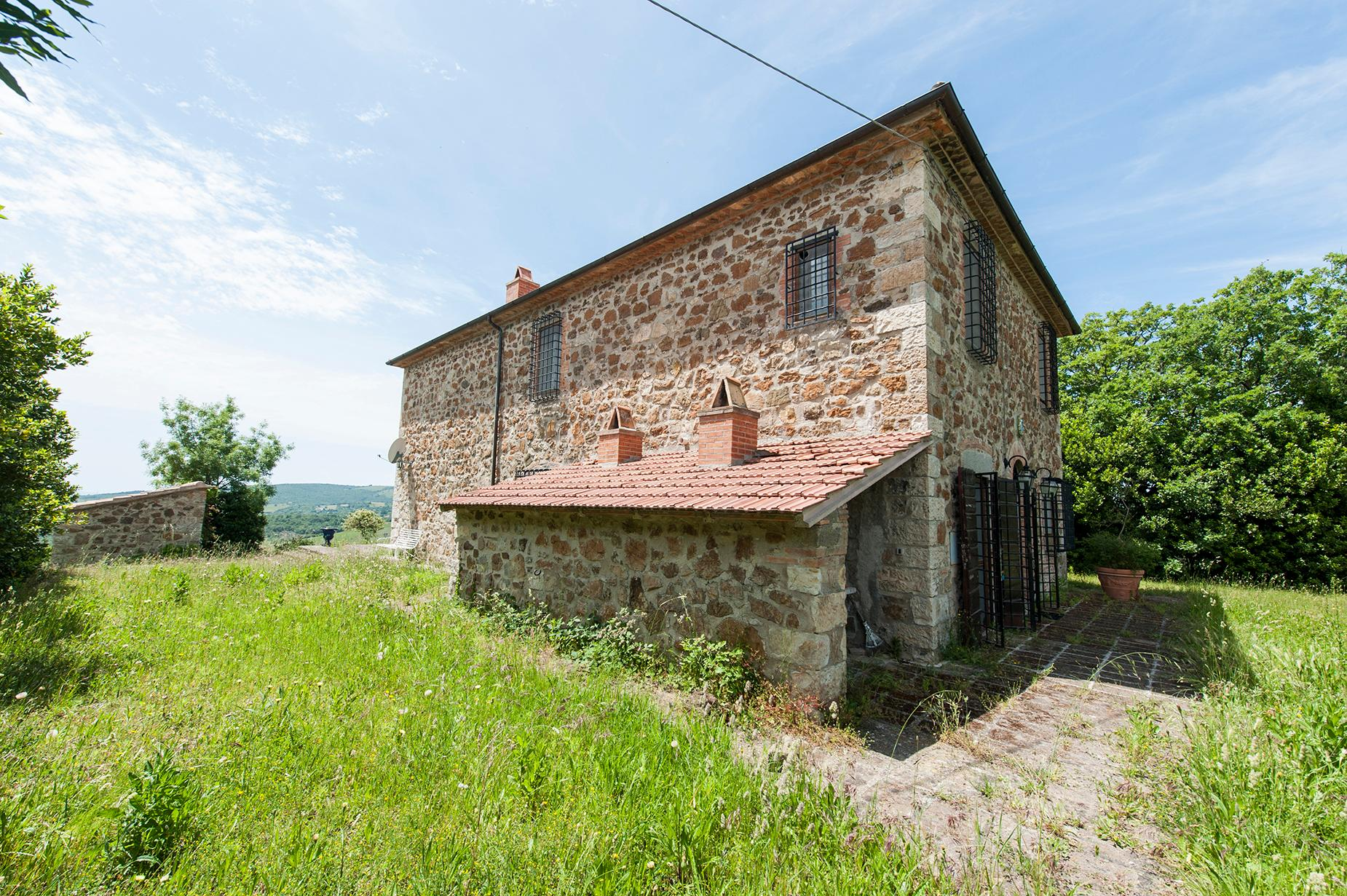 Ancient farmhouse with private land in Maremma - 1