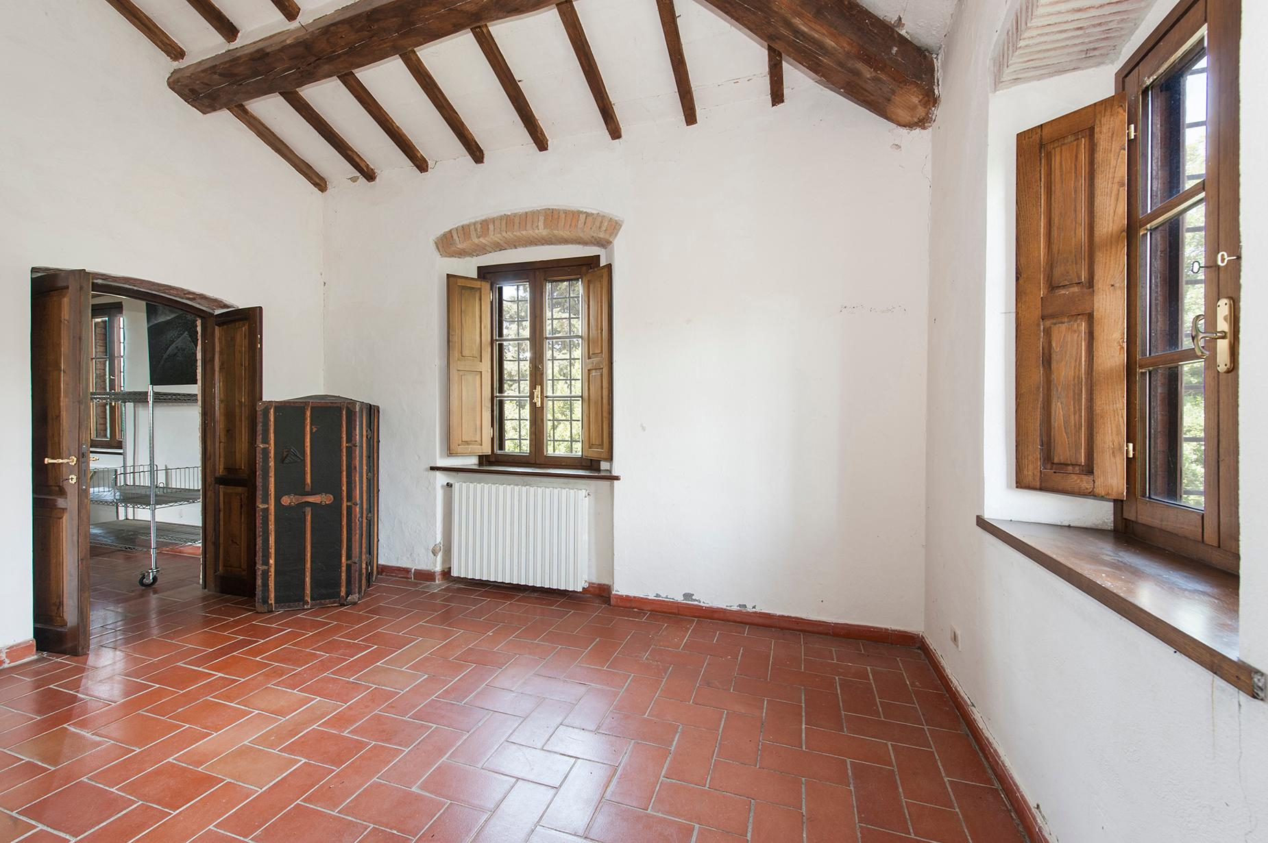 Ancient farmhouse with private land in Maremma - 14
