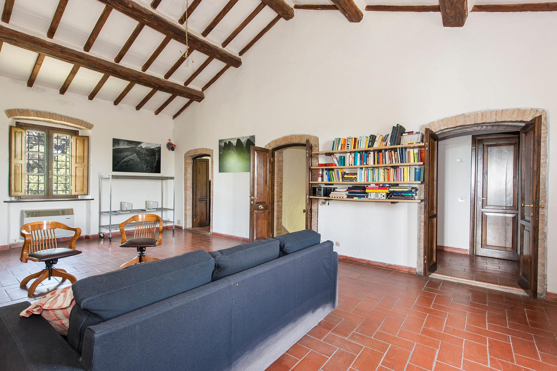 Ancient farmhouse with private land in Maremma - 15
