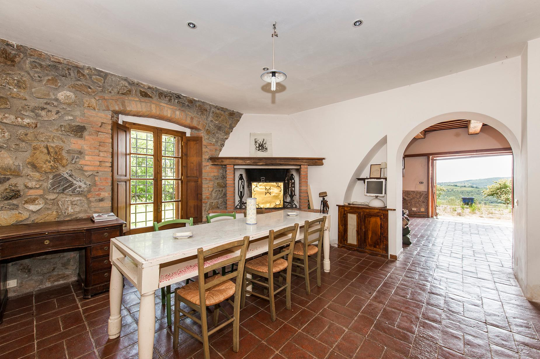 Ancient farmhouse with private land in Maremma - 8