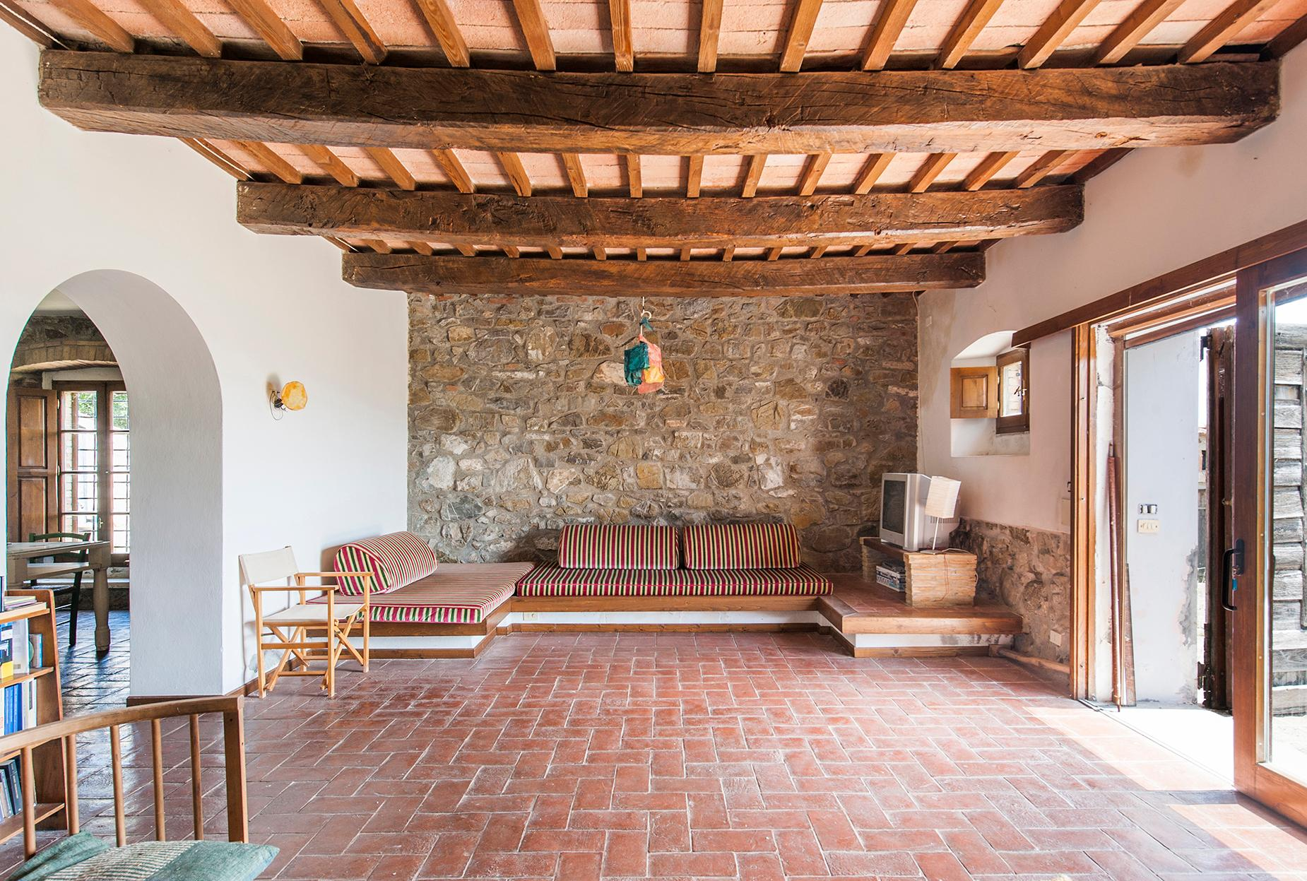 Ancient farmhouse with private land in Maremma - 7