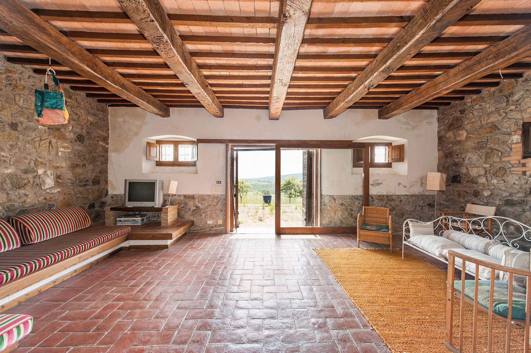 Ancient farmhouse with private land in Maremma - 6