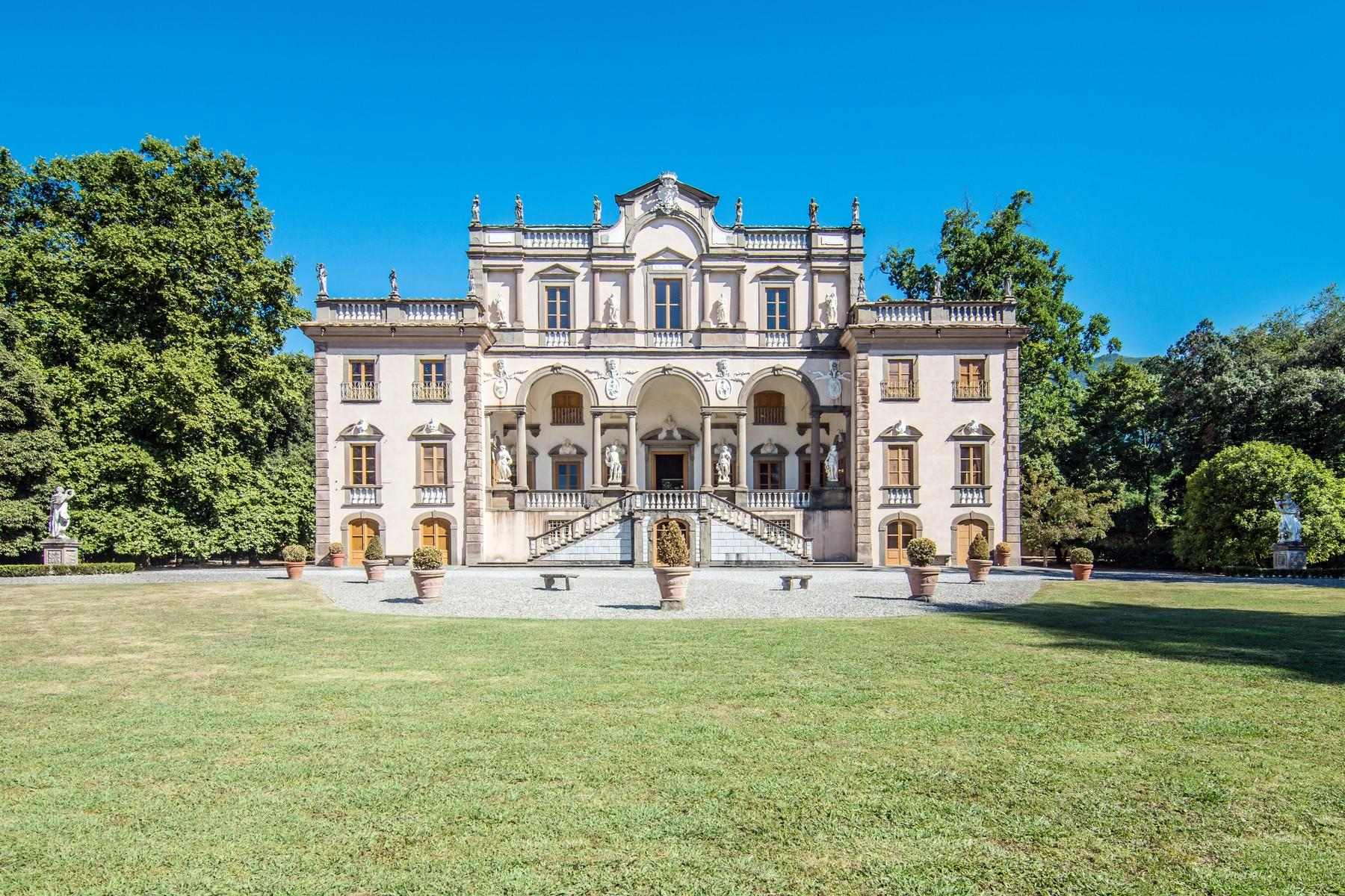 Luxury historic mansion in the countryside of Lucca - 1