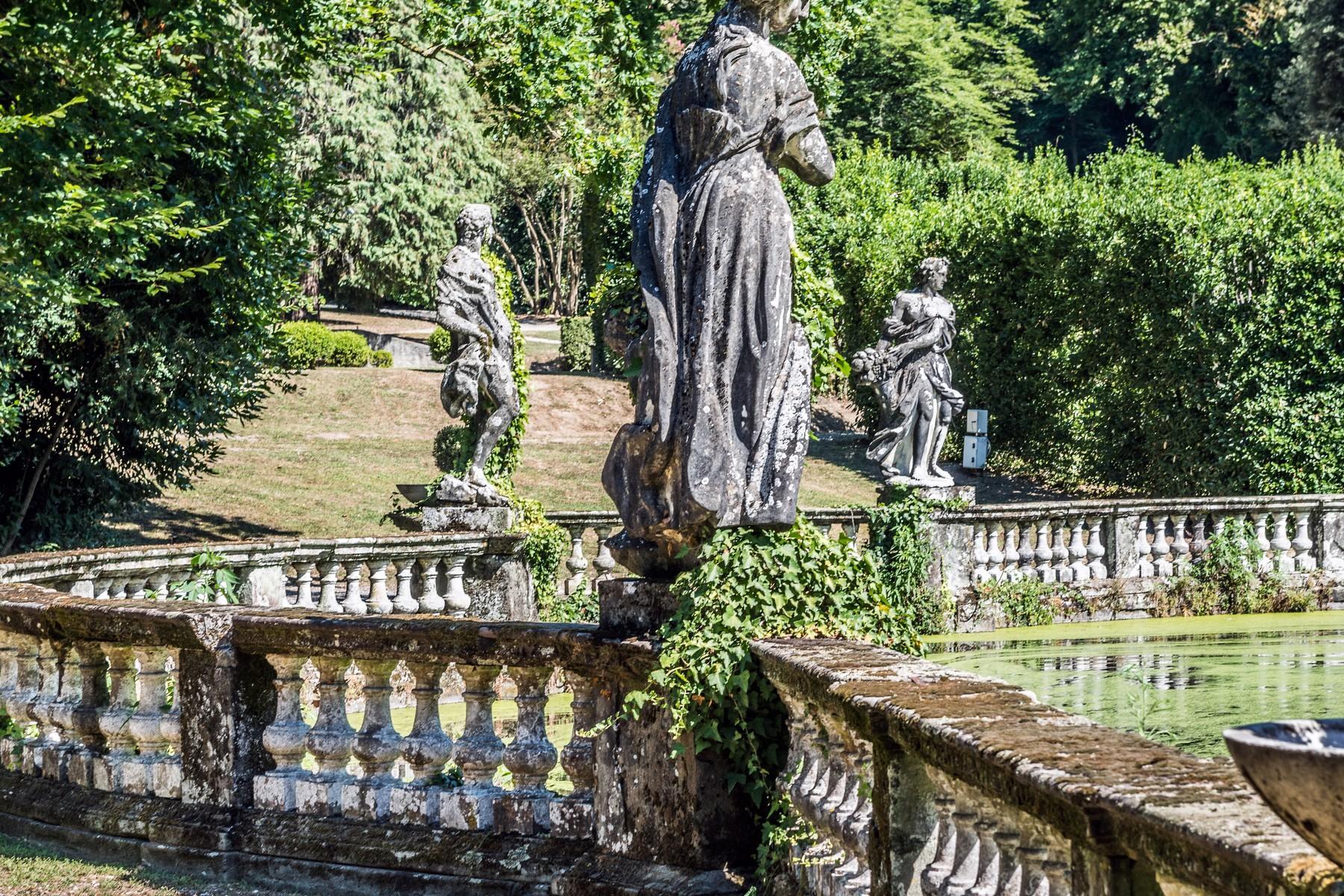 Роскошный особняк XVI века на тосканских холмах в Лукке, Италия - 9