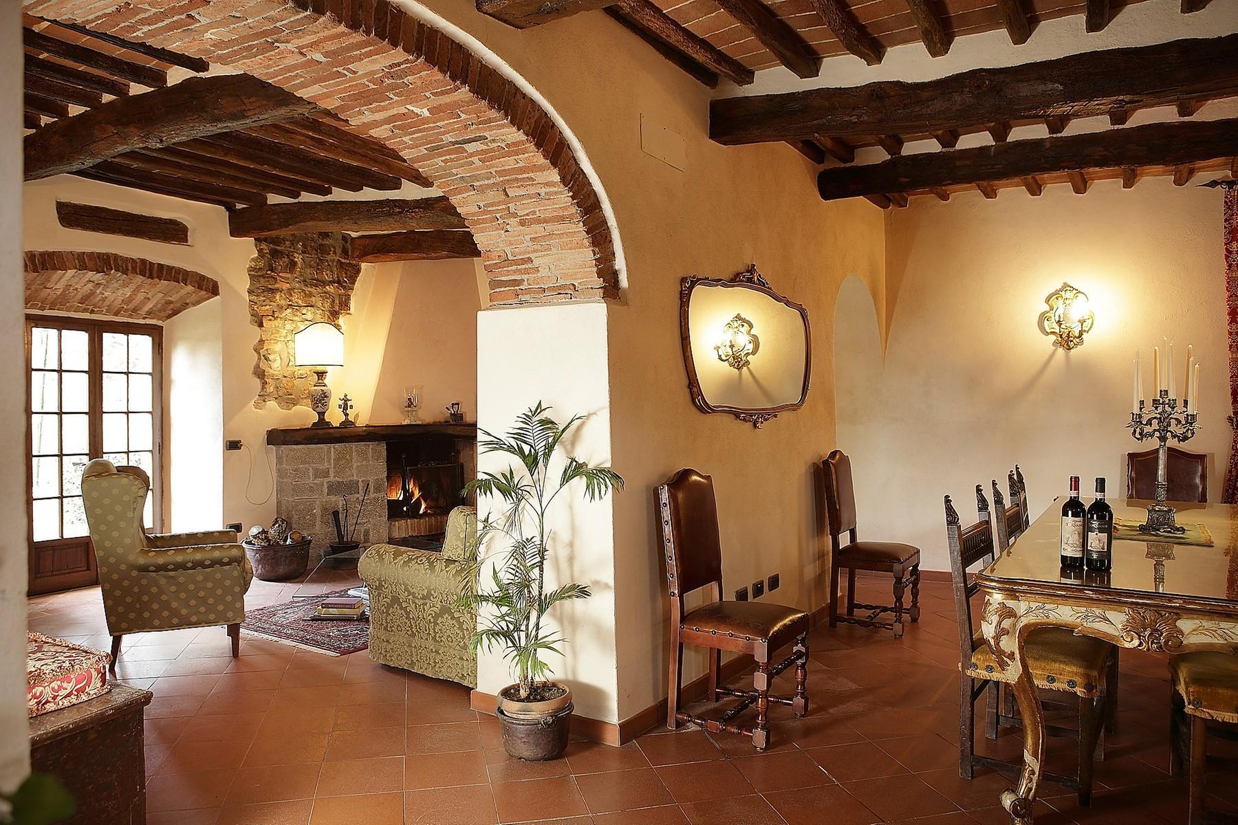Exclusive manor in the heart of Chianti Classico - 9