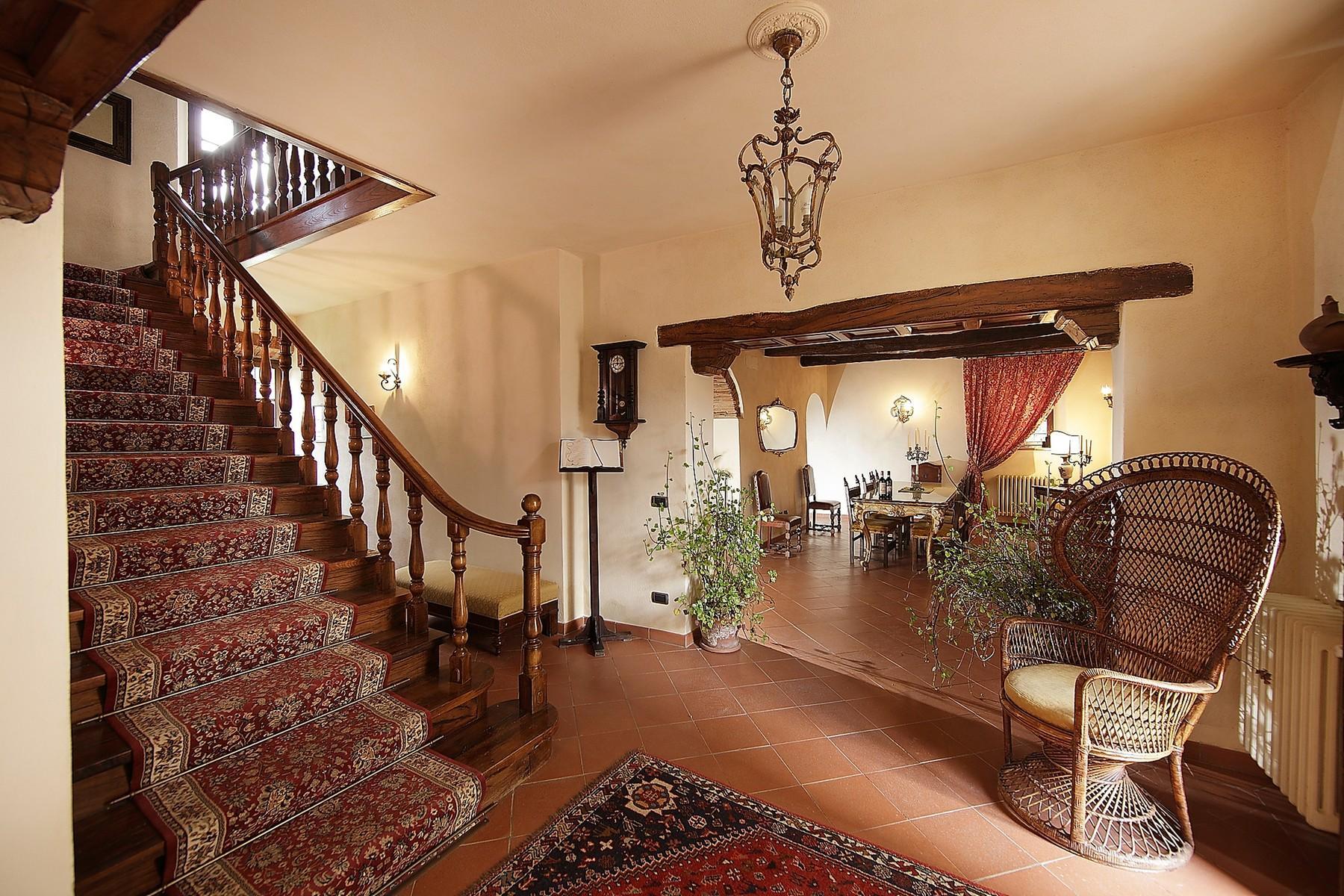 Exclusive manor in the heart of Chianti Classico - 10