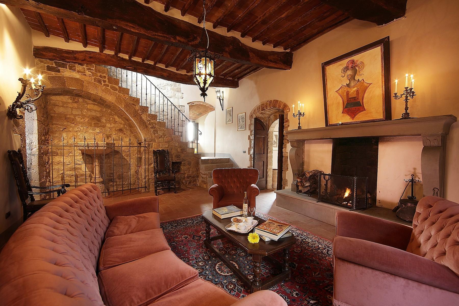 Exklusive Burg im Chianti Classico-Gebiet - 8