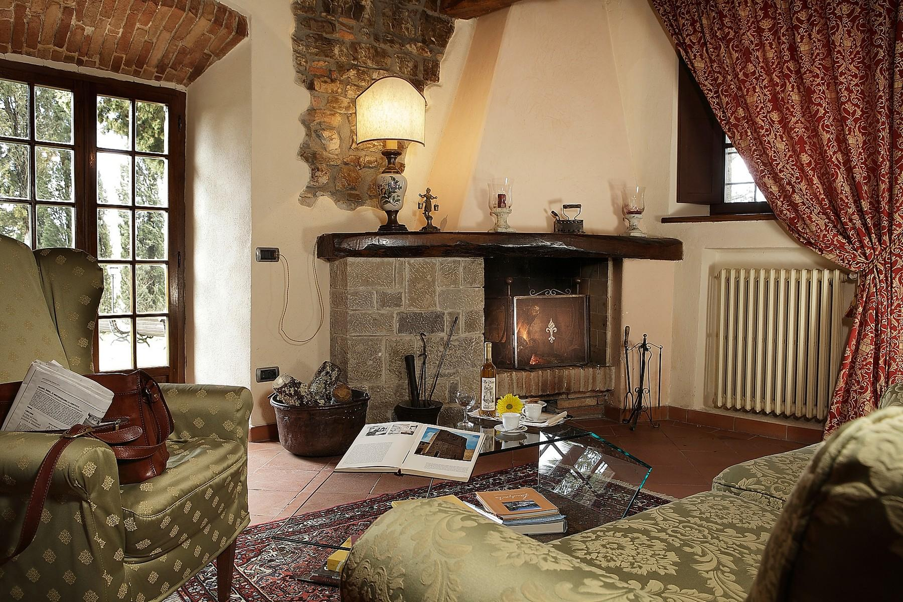 Exclusive manor in the heart of Chianti Classico - 11
