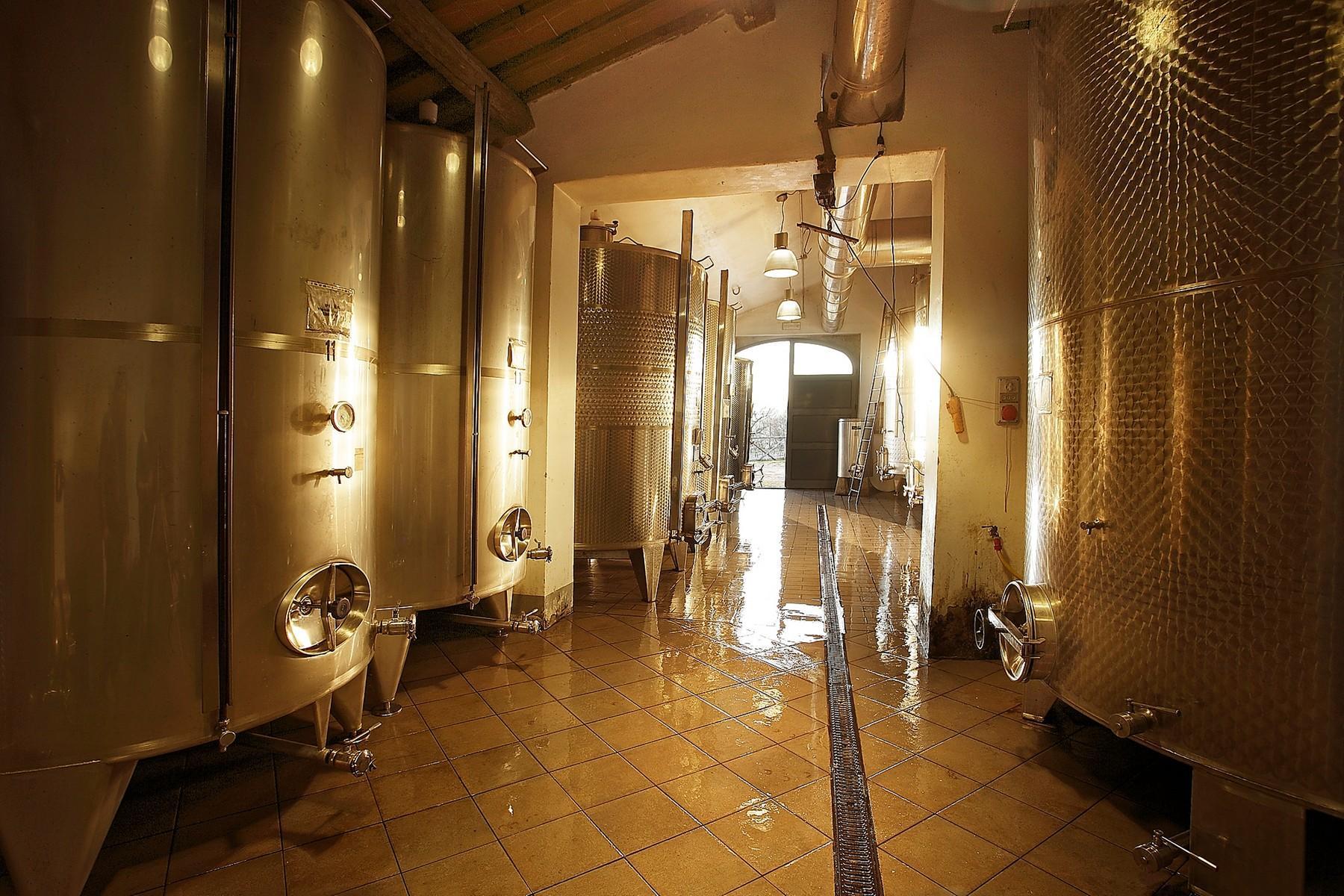 Exclusive manor in the heart of Chianti Classico - 18