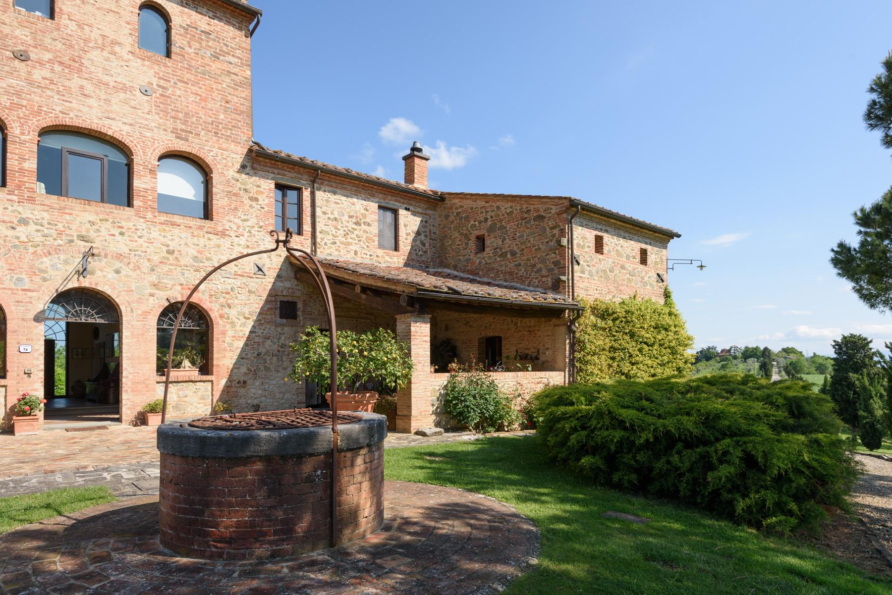 Tuscan countryhouse with 2,5 ha of vineyards - 18