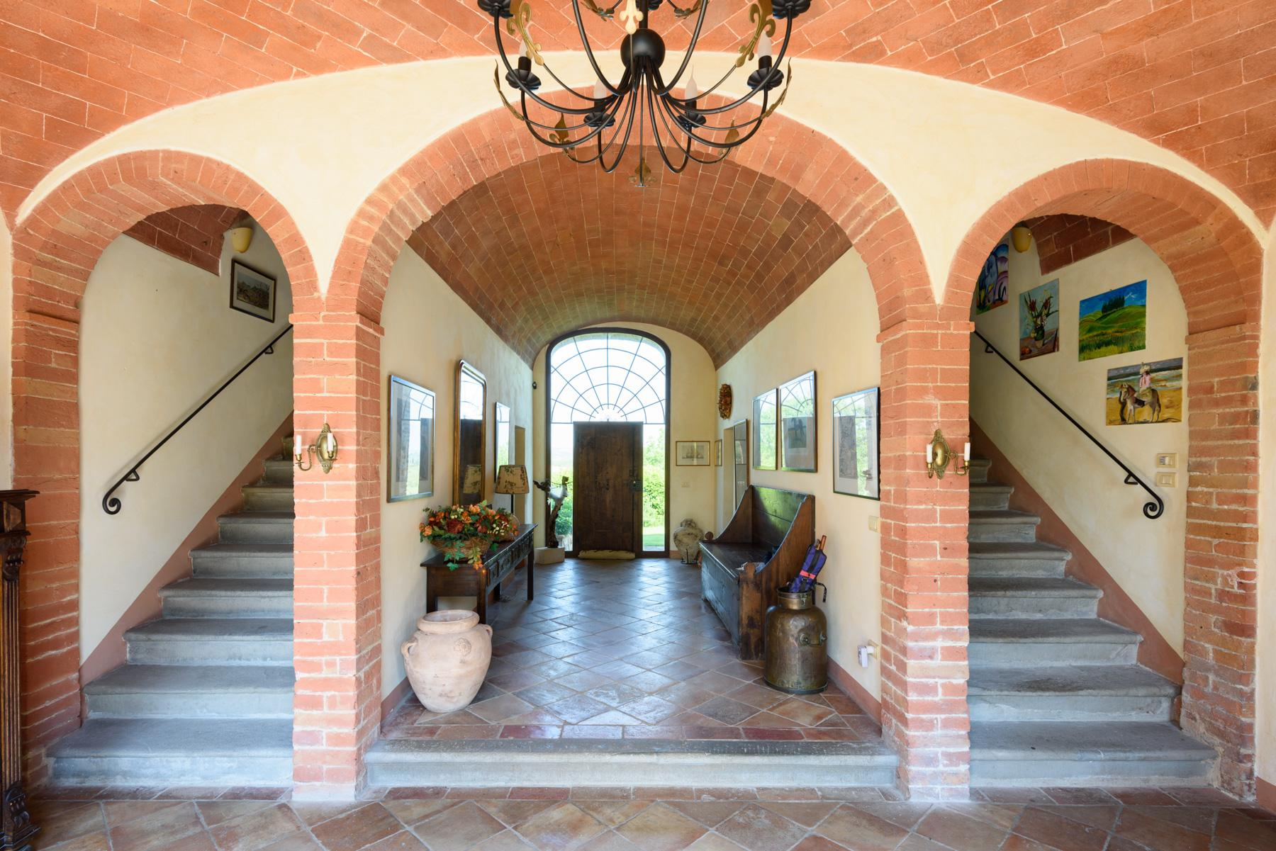 Tuscan countryhouse with 2,5 ha of vineyards - 5