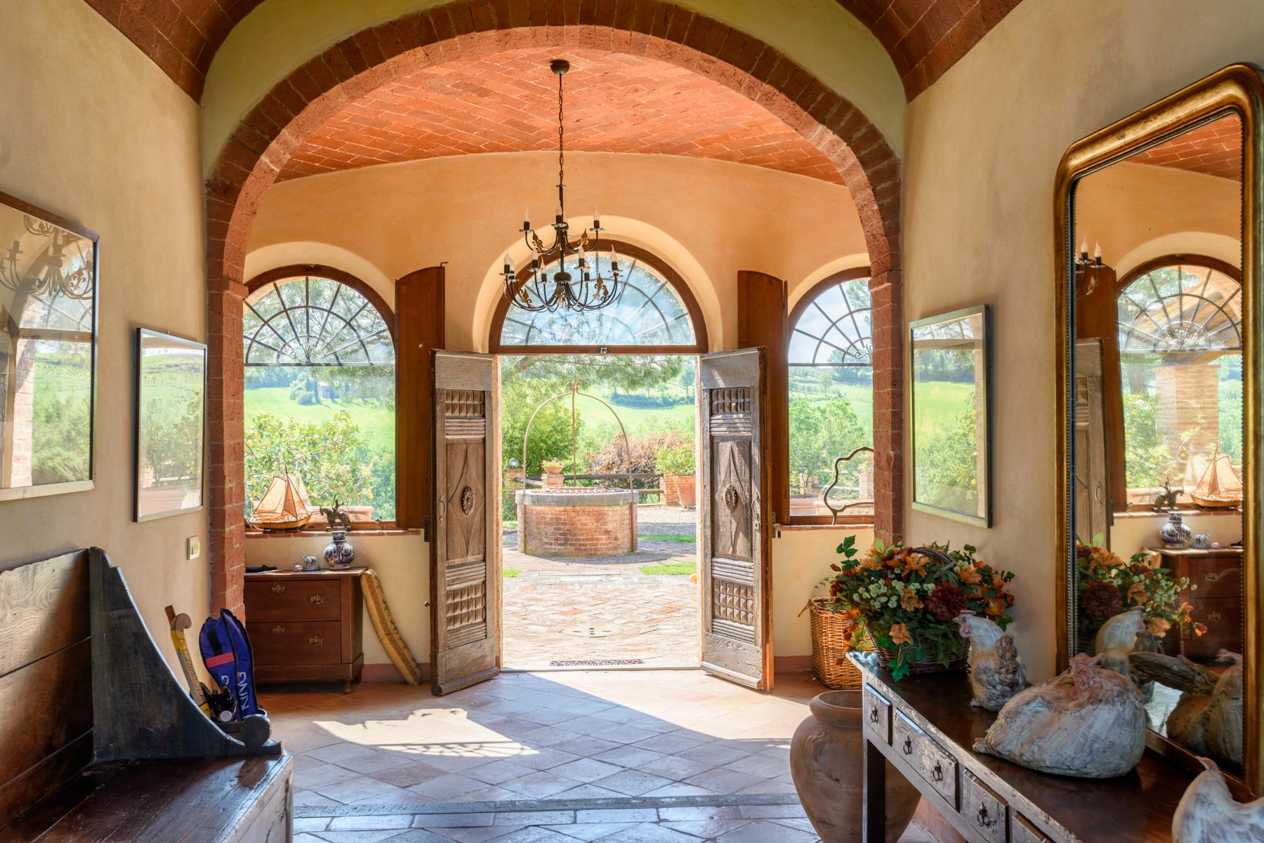 Tuscan countryhouse with 2,5 ha of vineyards - 7