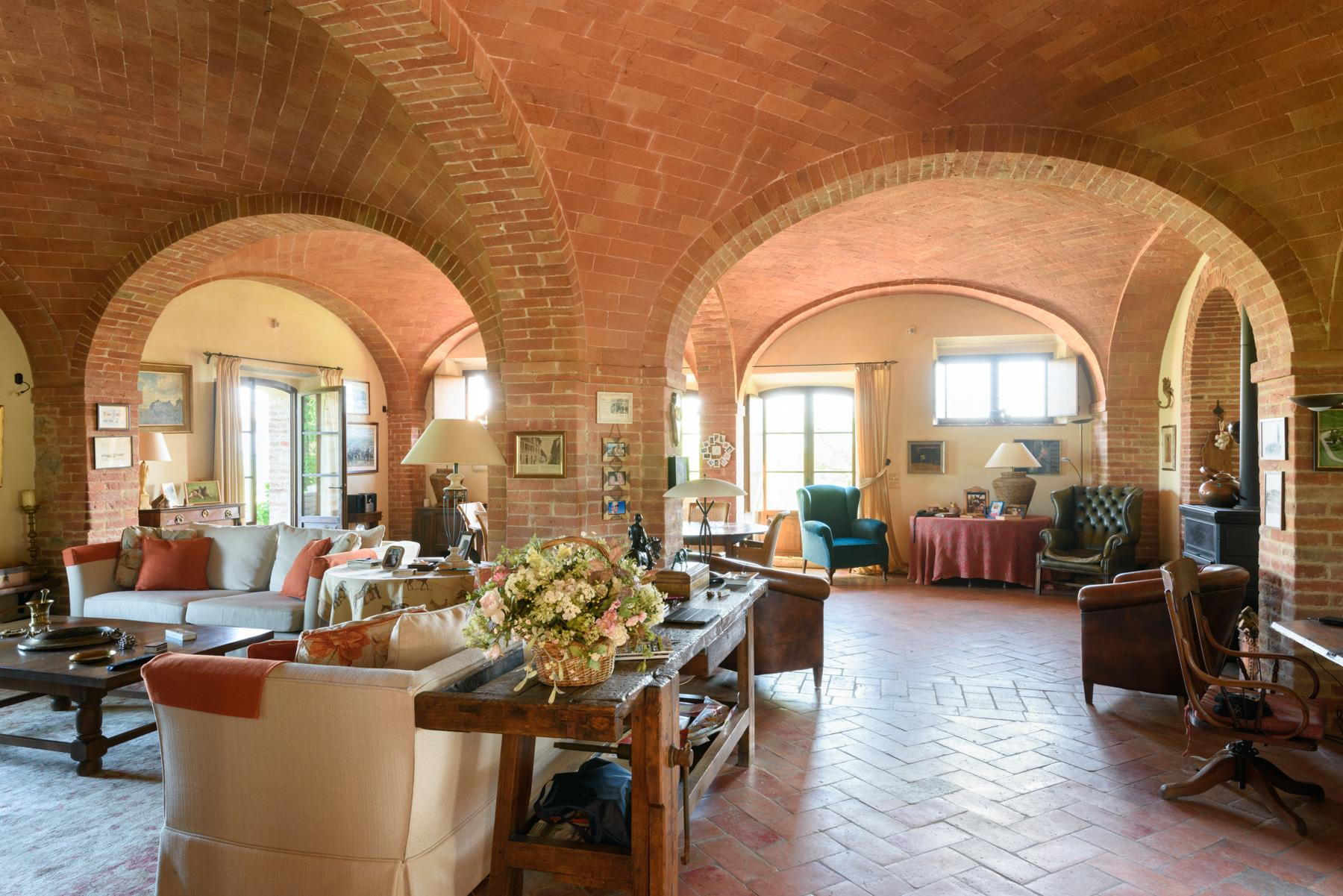 Tuscan countryhouse with 2,5 ha of vineyards - 6