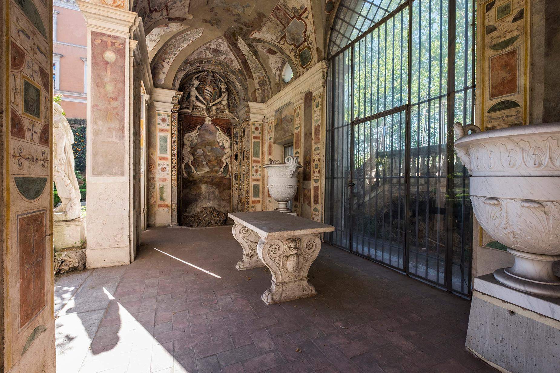 Palazzo Sacchetti, a pearl of the late reinassance in the heart of Rome - 5