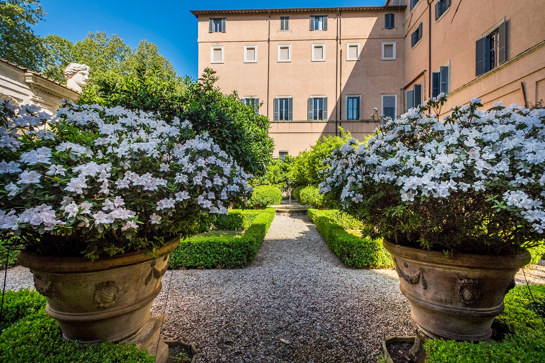 Palazzo Sacchetti, a pearl of the late reinassance in the heart of Rome - 10