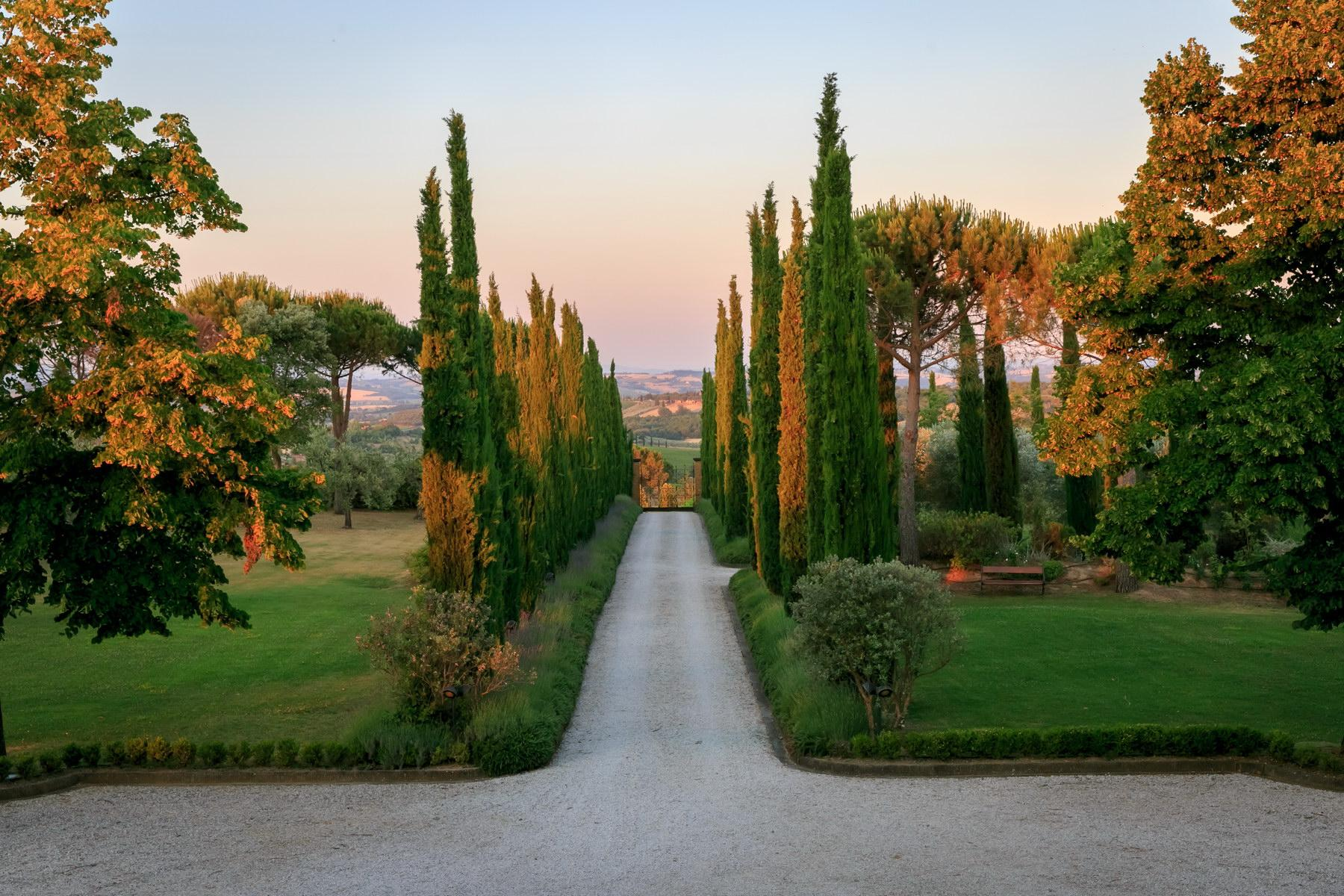 Wonderful wine estate with spectacular views of Montepulciano - 11