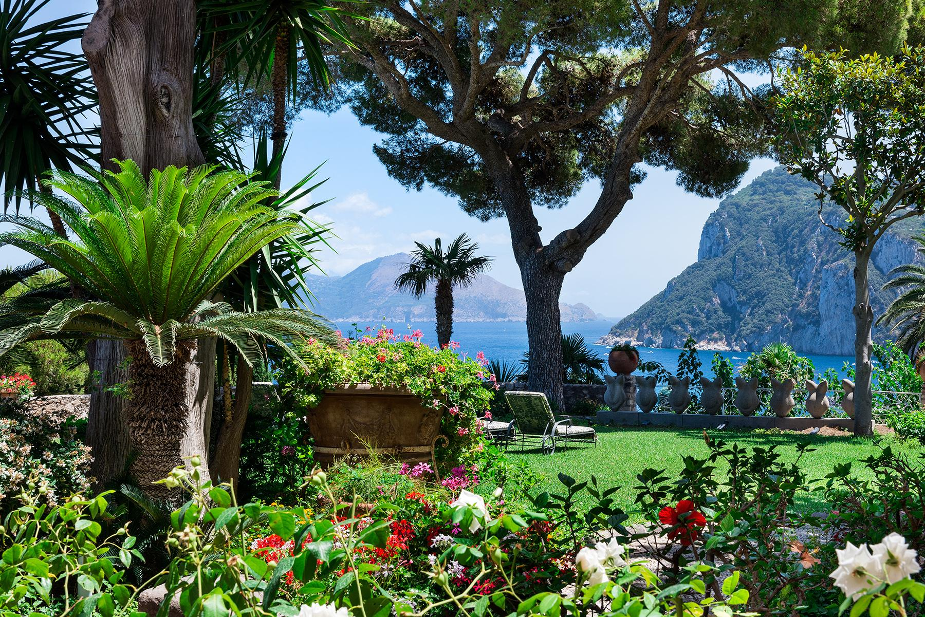 Villa Bismarck, an extraordinarily unique location in Capri - 8